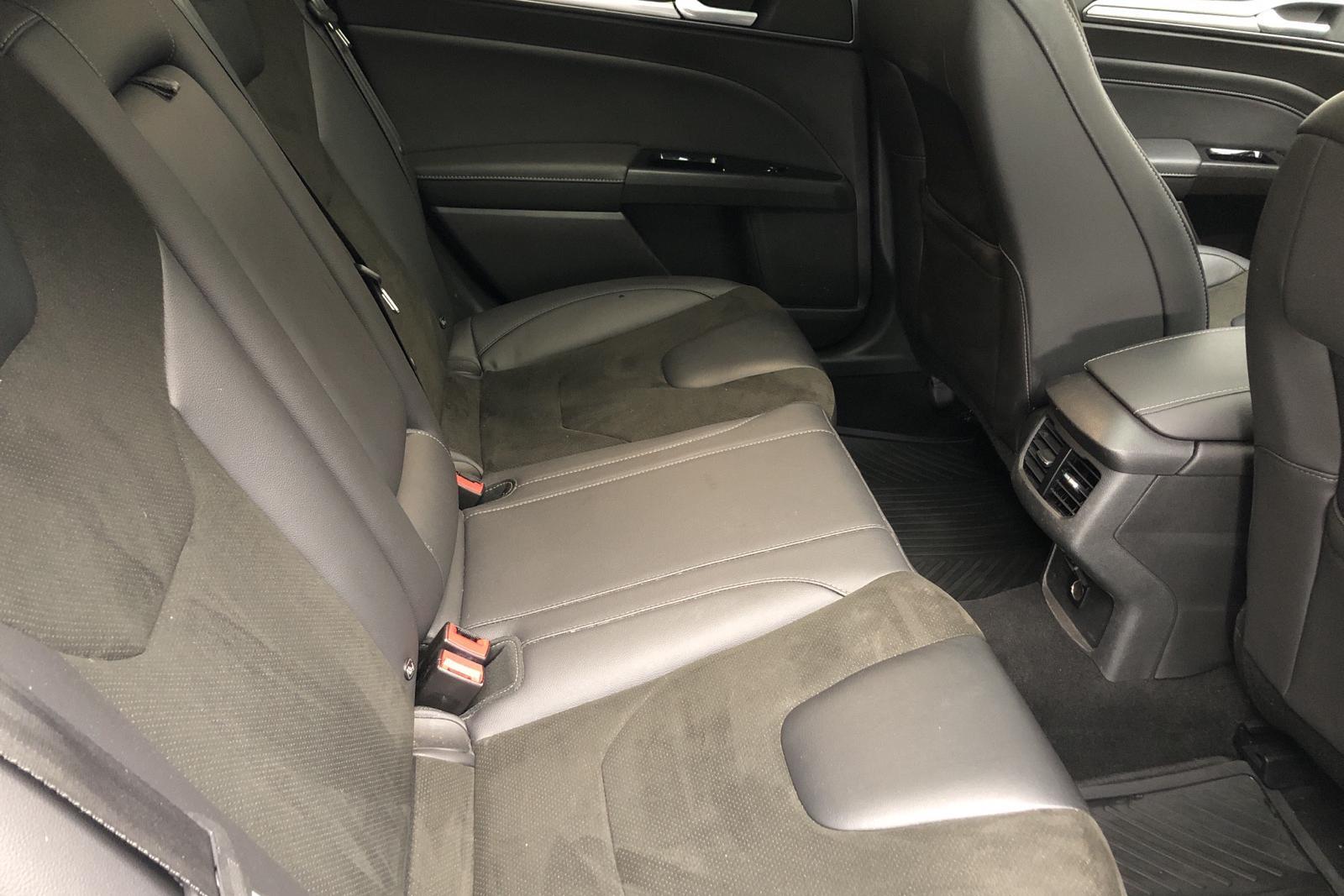 Ford Mondeo 2.0 TDCi AWD Kombi (180hk) - 13 412 mil - Automat - vit - 2017