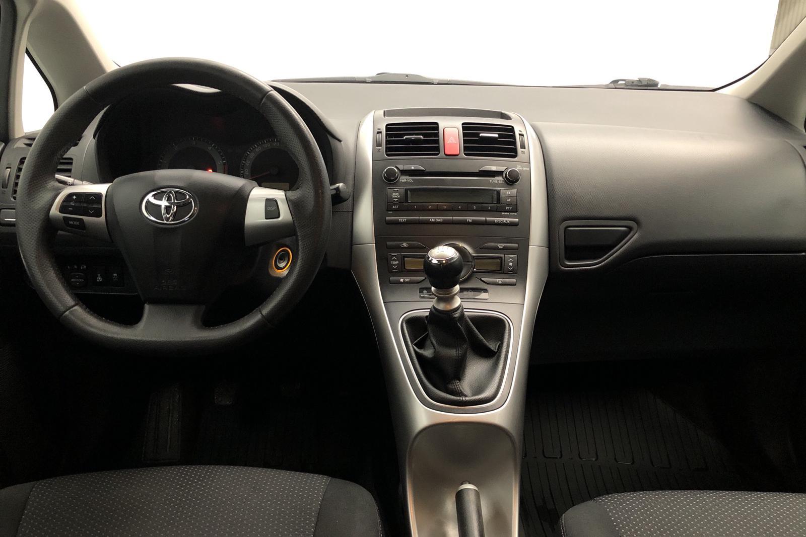 Toyota Auris 1.4 D-4D 5dr (90hk) - 120 240 km - Manual - Dark Grey - 2011