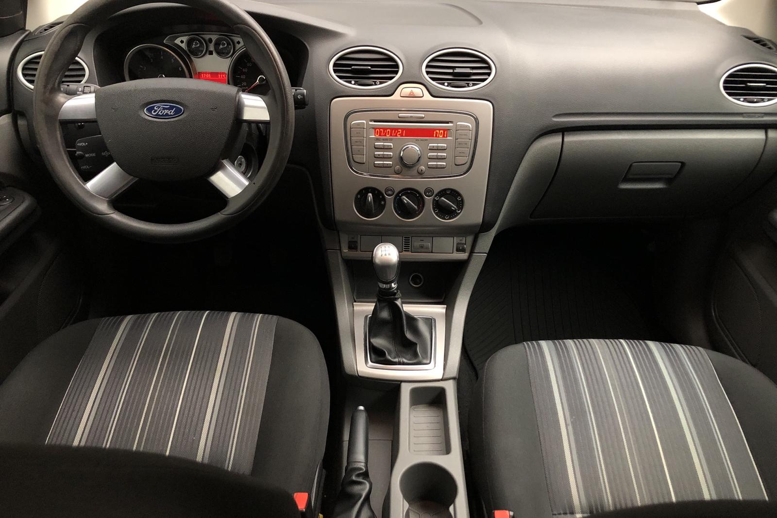 Ford Focus 1.8 Flexifuel 5dr (125hk) - 150 920 km - Manual - white - 2009