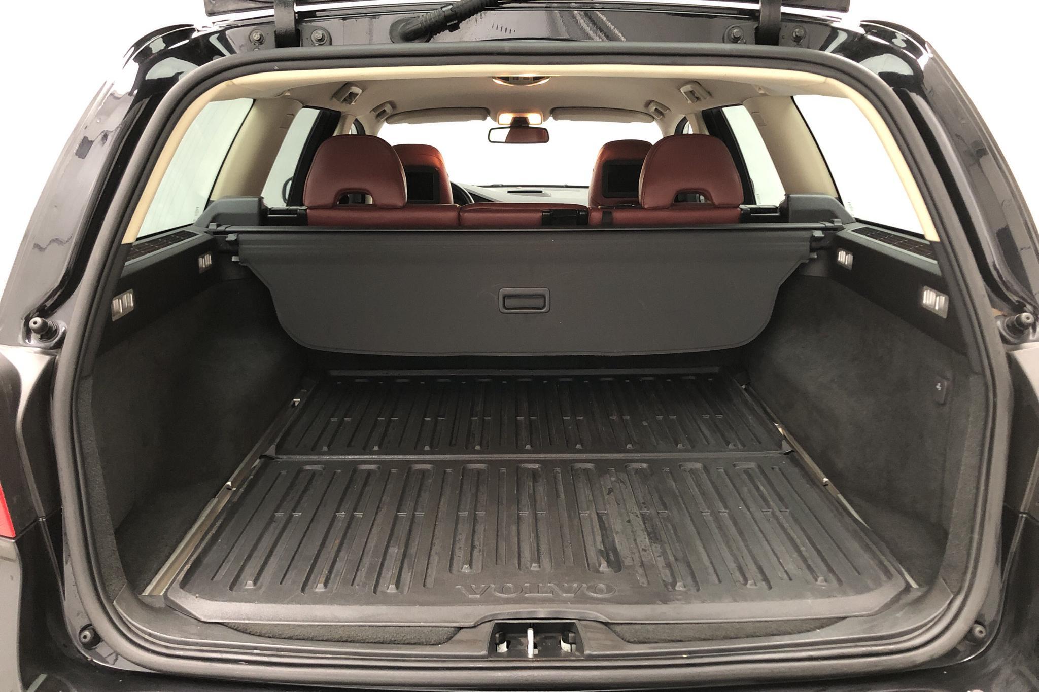 Volvo V70 II T6 AWD (285hk) - 21 416 mil - Automat - svart - 2008