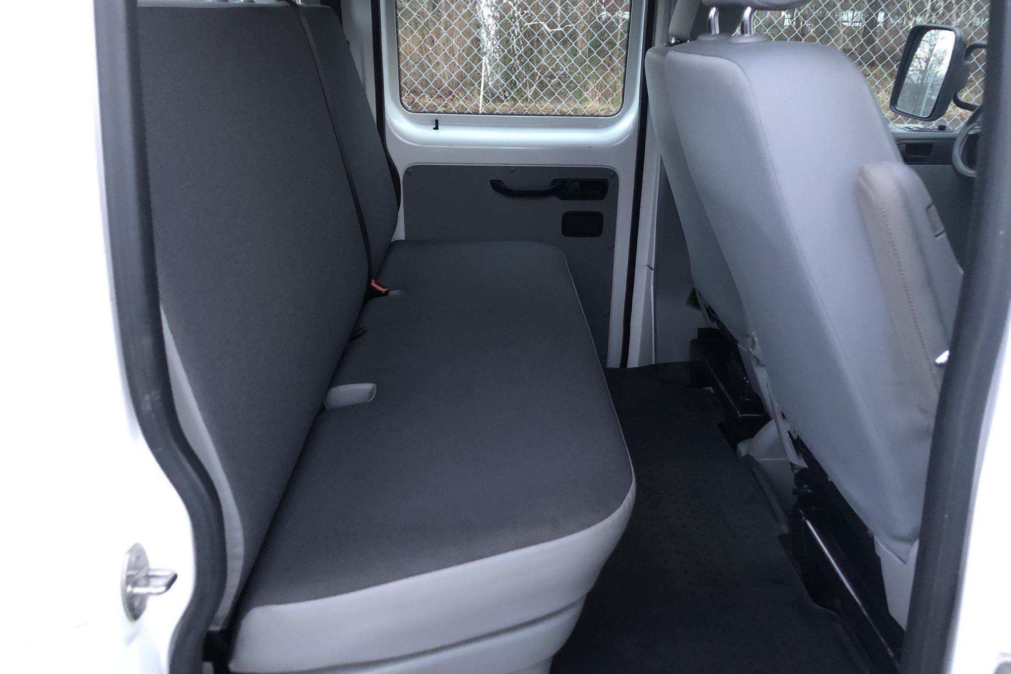 VW Transporter T5 2.0 TDI Pickup 4MOTION (140hk) - 18 810 mil - Manuell - vit - 2014