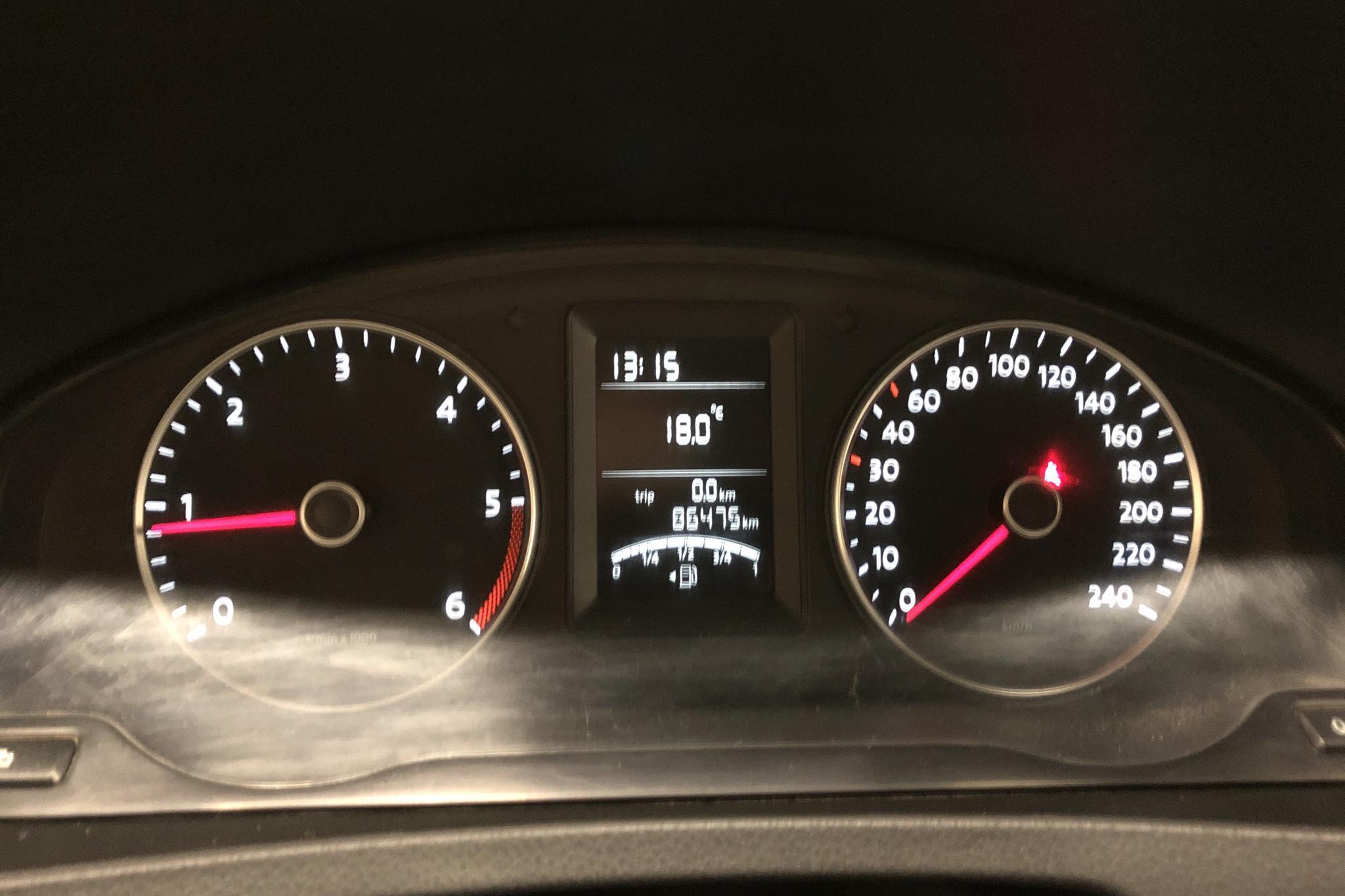 VW Transporter T5 2.0 TDI Pickup (102hk) - 86 480 km - Manual - white - 2012