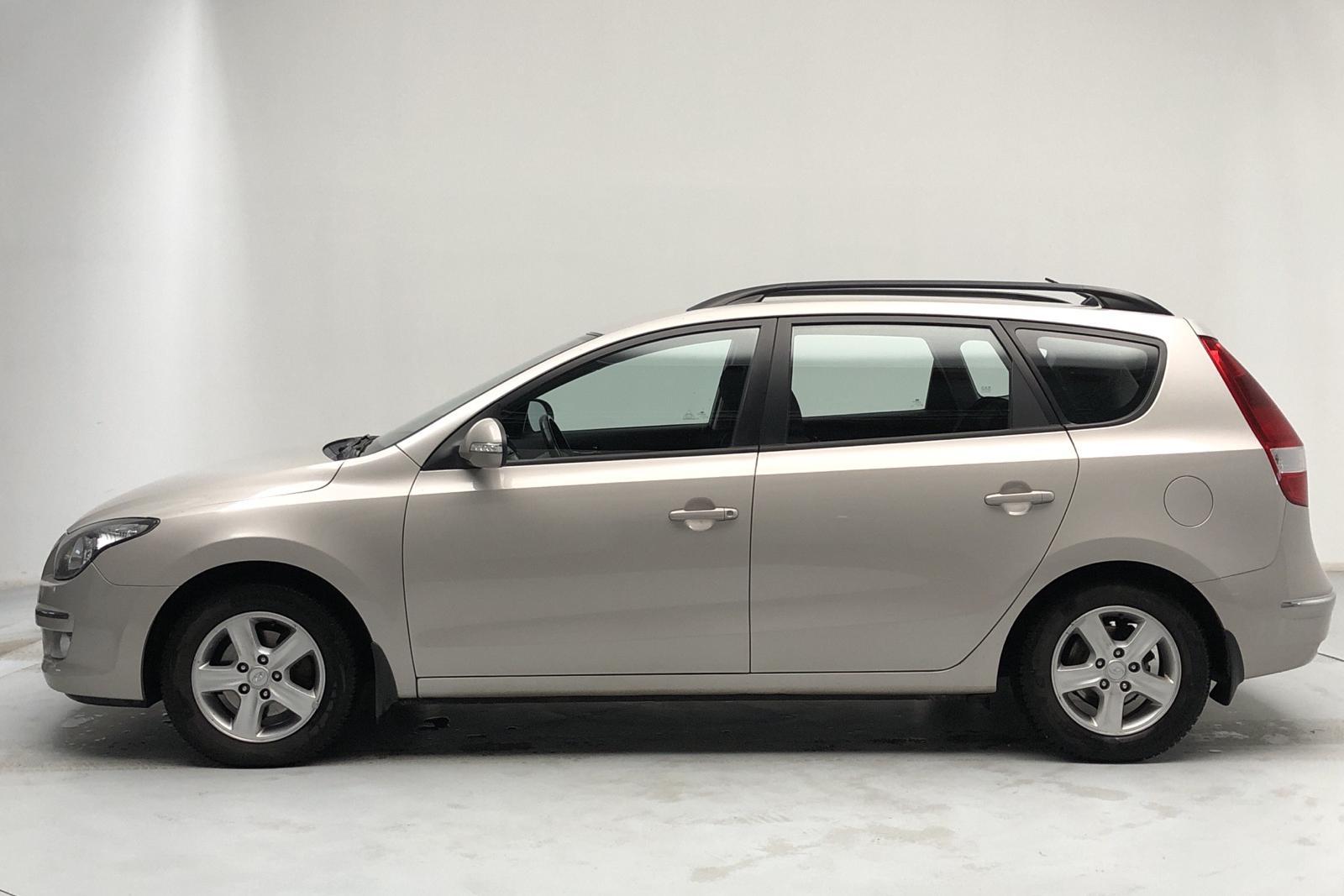 Hyundai i30 1.6 Kombi (122hk) - 149 210 km - Manual - Light Brown - 2010