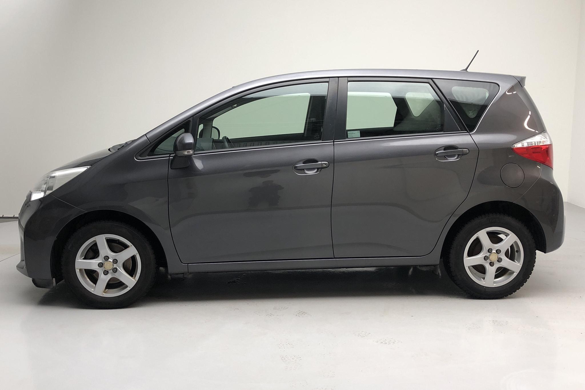 Toyota Verso S 1.33 (99hk) - 12 712 mil - Manuell - Dark Grey - 2012
