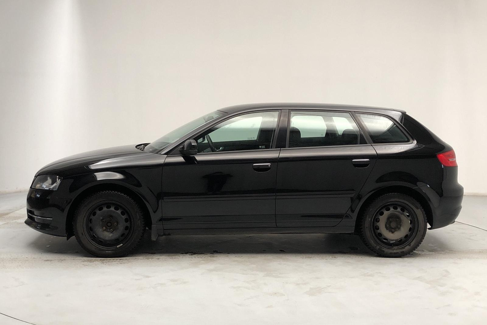 Audi A3 2.0 TDI Sportback (140hk) - 6 839 mil - Manuell - svart - 2012