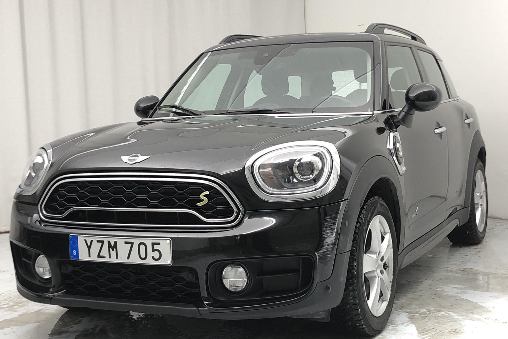 MINI Cooper S E ALL4 Countryman, F60 (224hk) - 79 240 km - Automatic - black - 2018