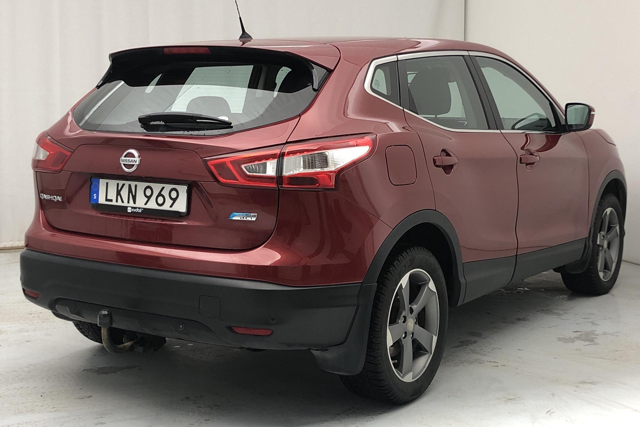 Nissan Qashqai 1.5 dCi (110hk) - 113 930 km - Manual - red - 2014