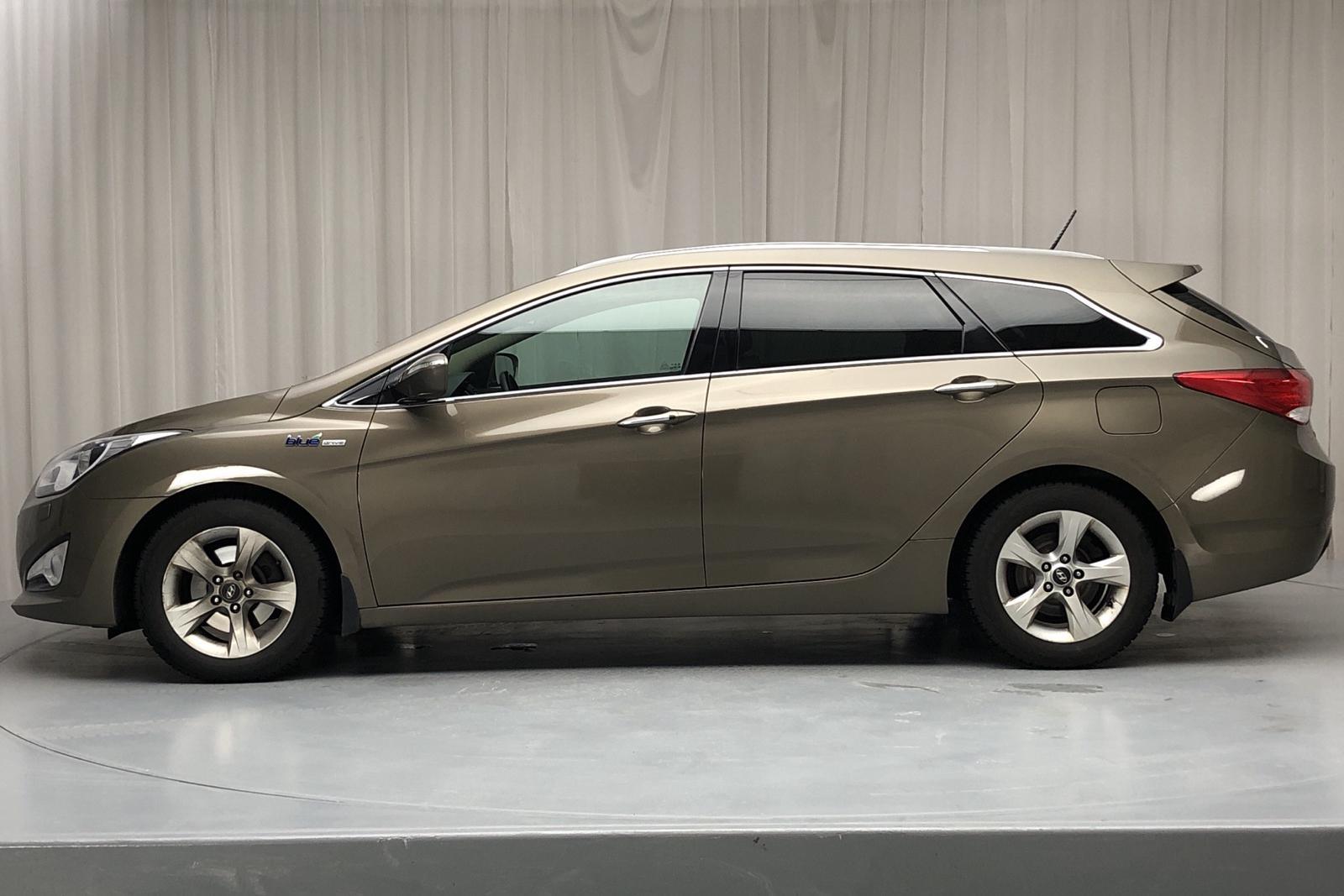 Hyundai i40 1.7 CRDi Kombi (136hk) - 13 415 mil - Manuell - brun - 2012
