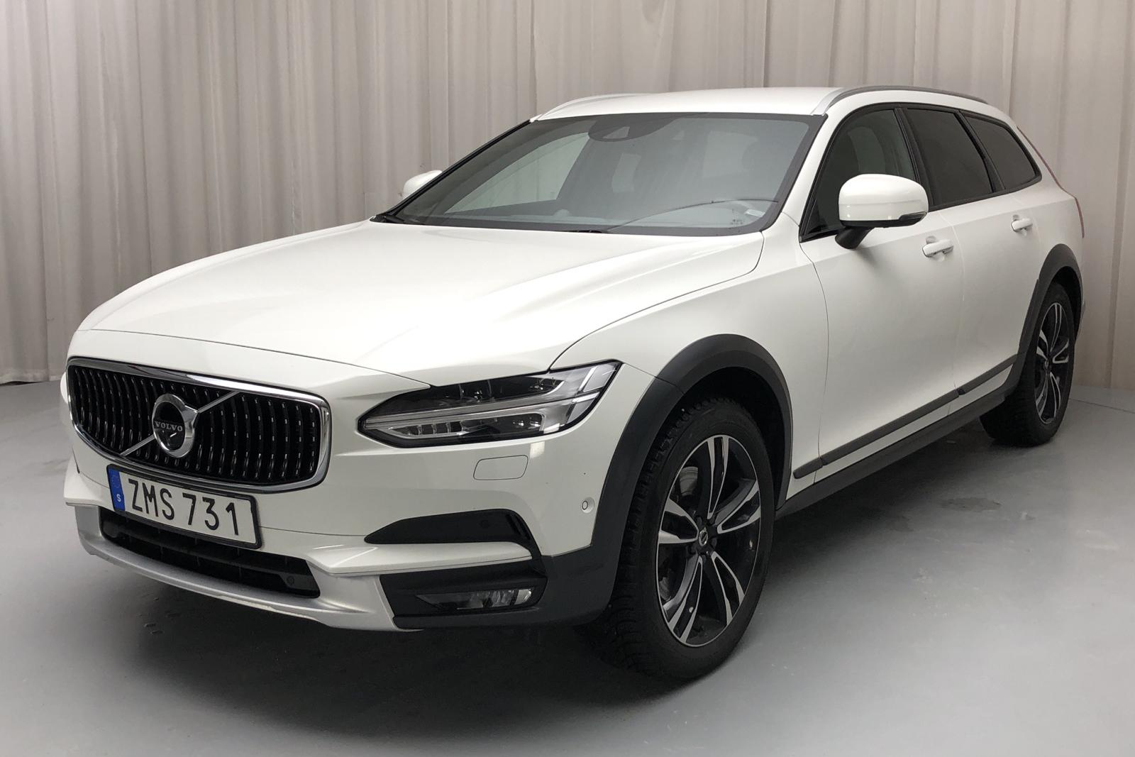 Volvo V90 D5 Cross Country AWD (235hk) - 110 540 km - Automatic - white - 2018