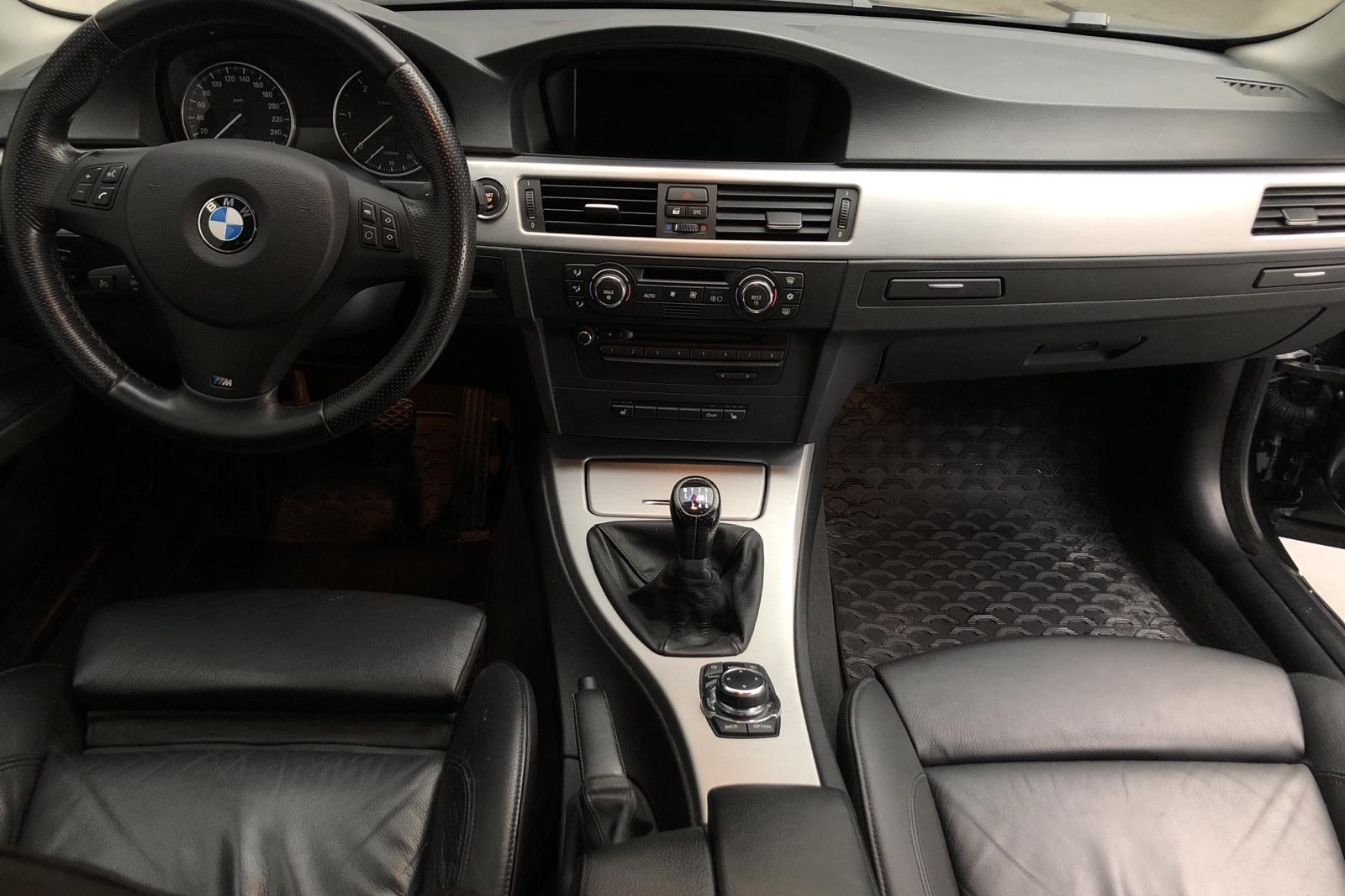 BMW 320d Coupé, E92 (177hk) - 97 220 km - Manual - black - 2010