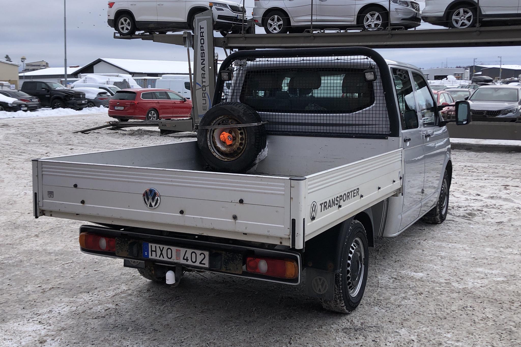 VW Transporter T5 2.5 TDI Pickup 4-motion (130hk) - 21 935 mil - Manuell - silver - 2009