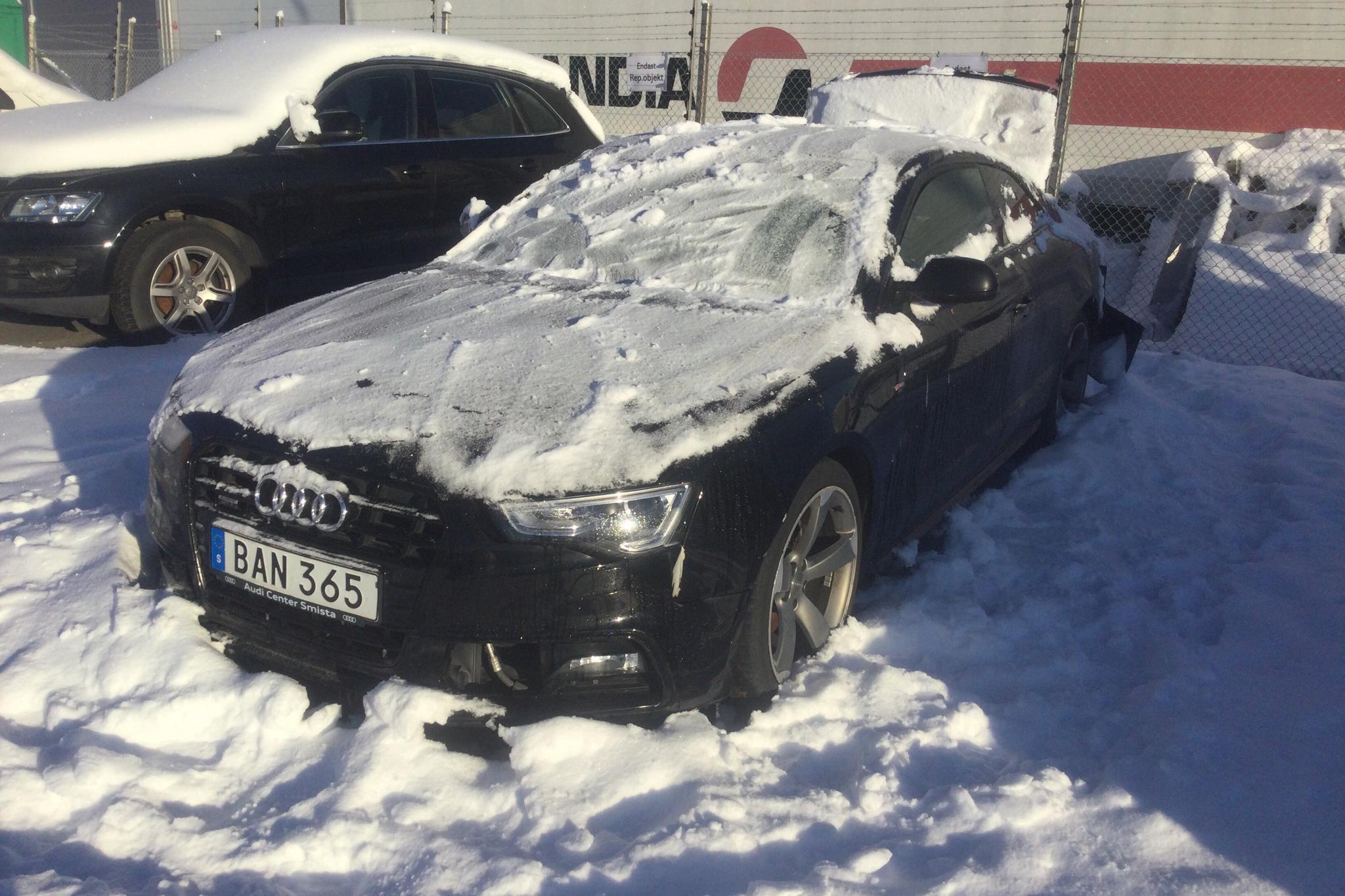 Audi A5 2.0 TDI Clean diesel Coupé quattro (190hk) - 5 217 mil - Automat - svart - 2015