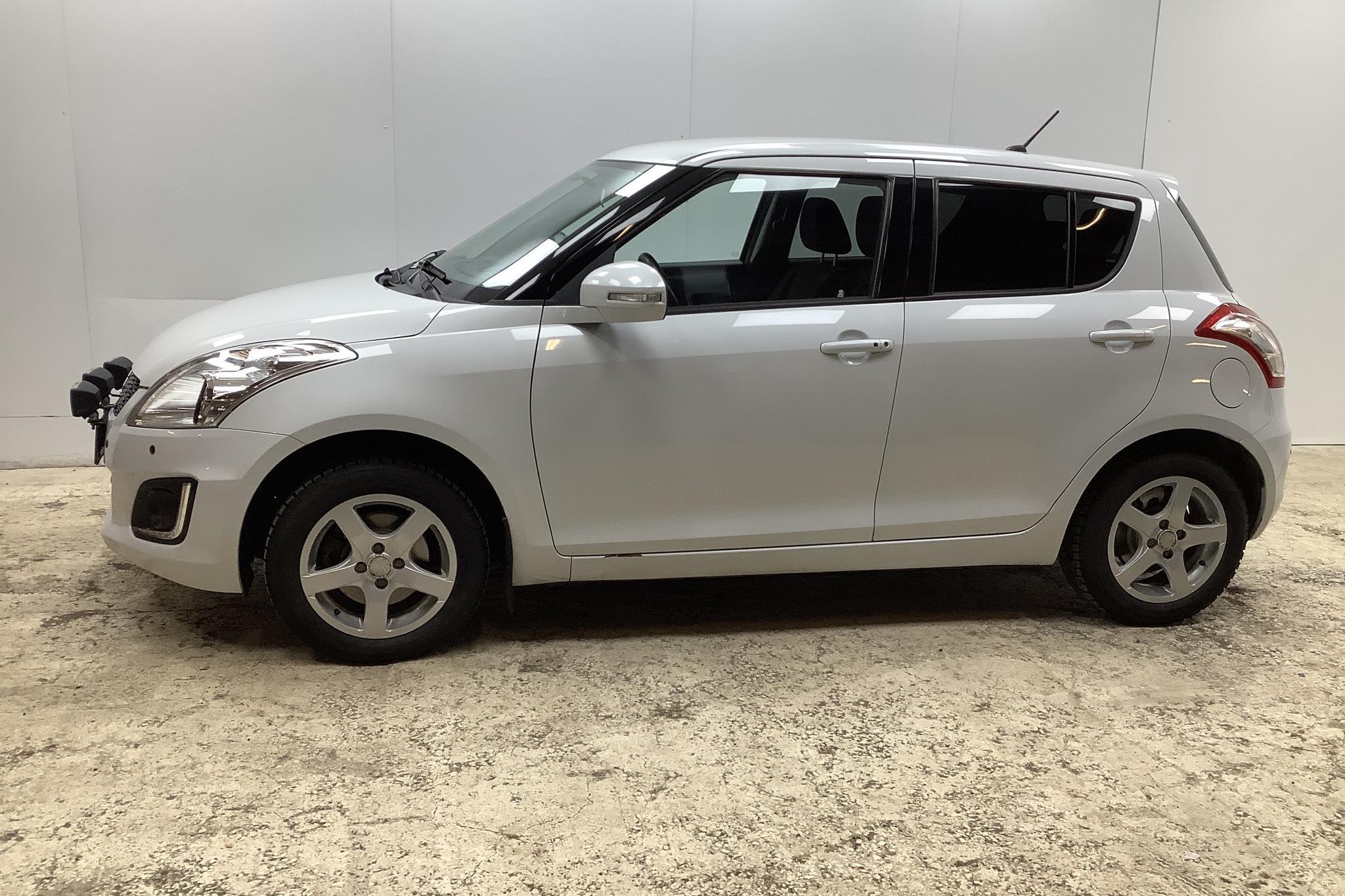 Suzuki Swift 1.2 4x4 5dr (94hk) - 6 473 mil - Manuell - vit - 2014