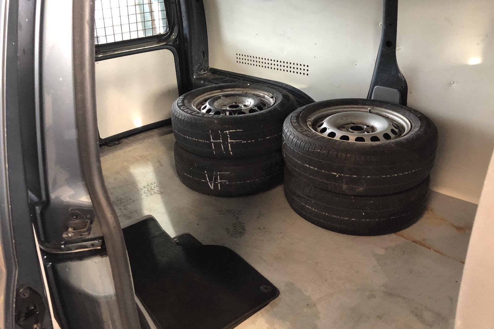 VW Caddy 1.9 TDI Maxi Skåp (105hk) - 17 843 mil - Manuell - Dark Grey - 2010
