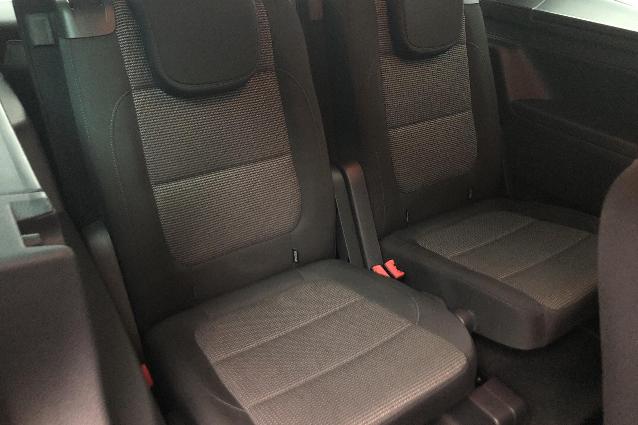 VW Sharan 2.0 TDI BlueMotion Technology 4motion (140hk) - 12 030 mil - Manuell - silver - 2014