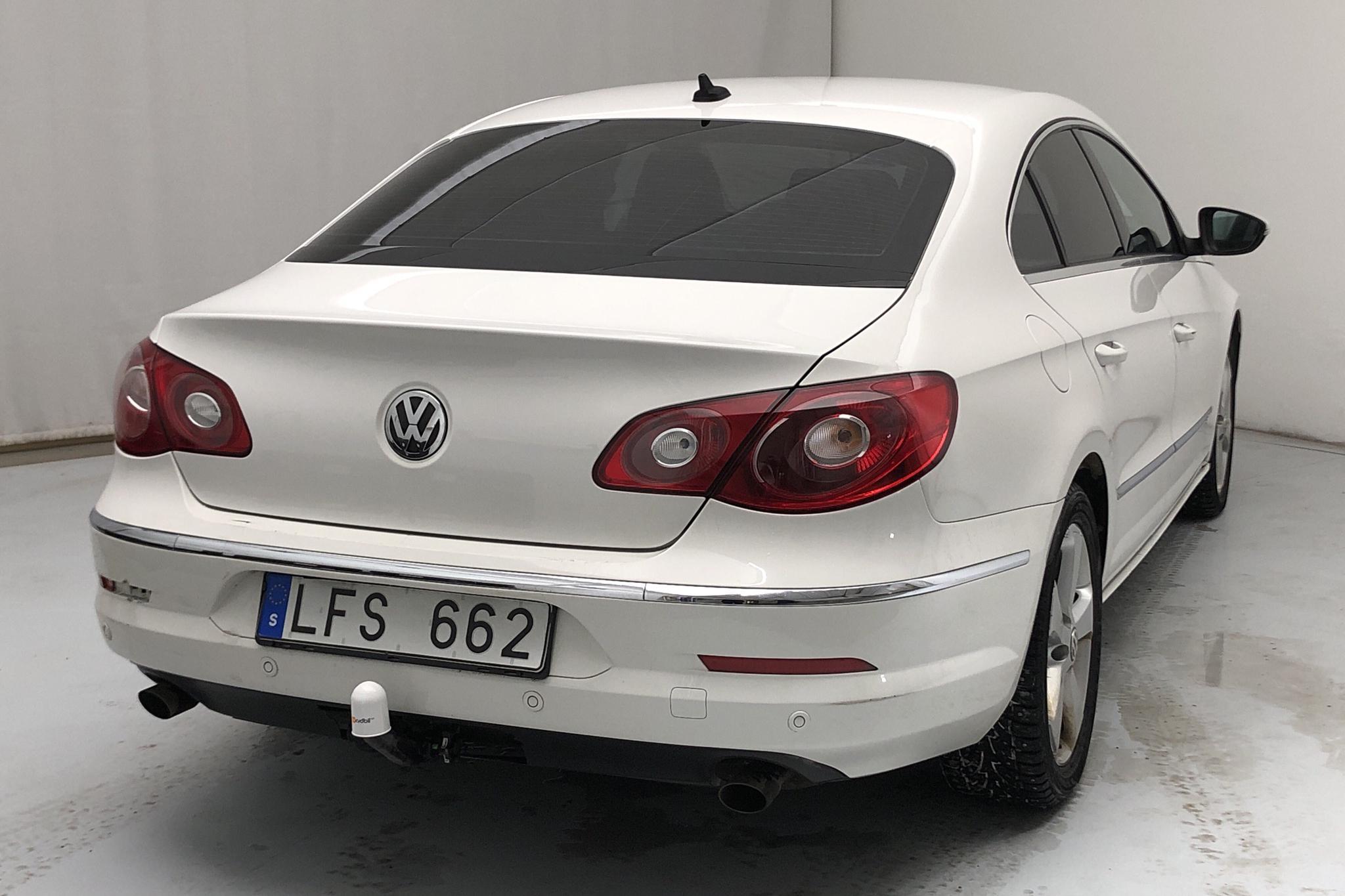 VW Passat CC 2.0 TDI 4Motion (170hk) - 19 540 mil - Automat - vit - 2011