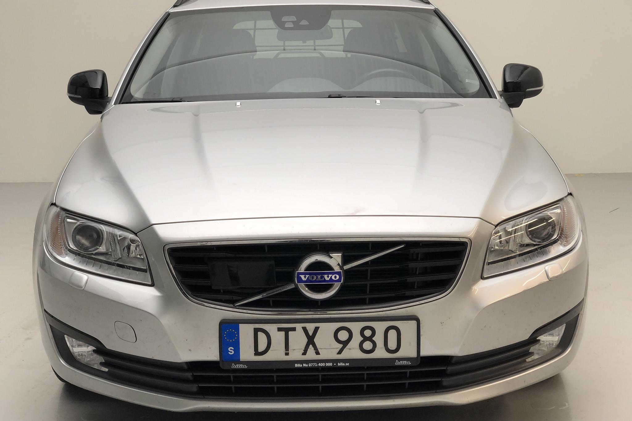 Volvo V70 II D3 (150hk) - 5 996 mil - Automat - silver - 2016