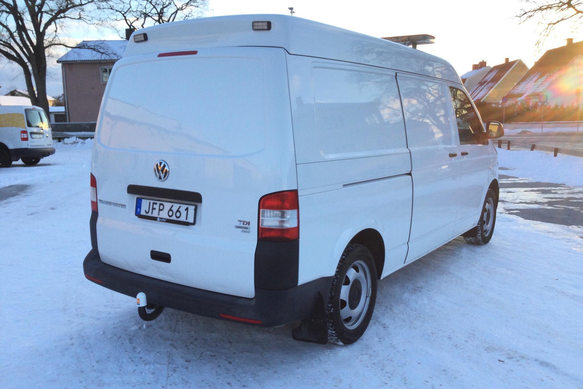 VW Transporter T5 2.0 TDI 4MOTION (180hk) - 11 067 mil - Automat - vit - 2014
