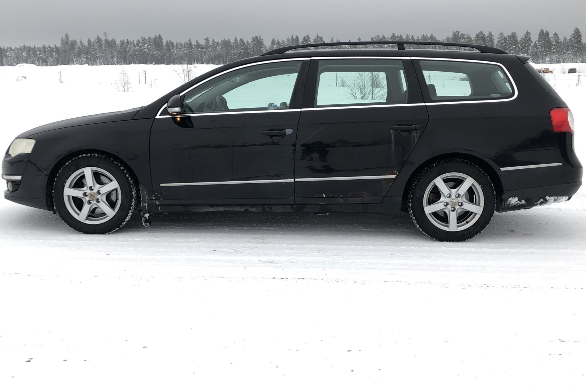 VW Passat 2.0 TFSI Variant (200hk) - 19 716 mil - Manuell - svart - 2006