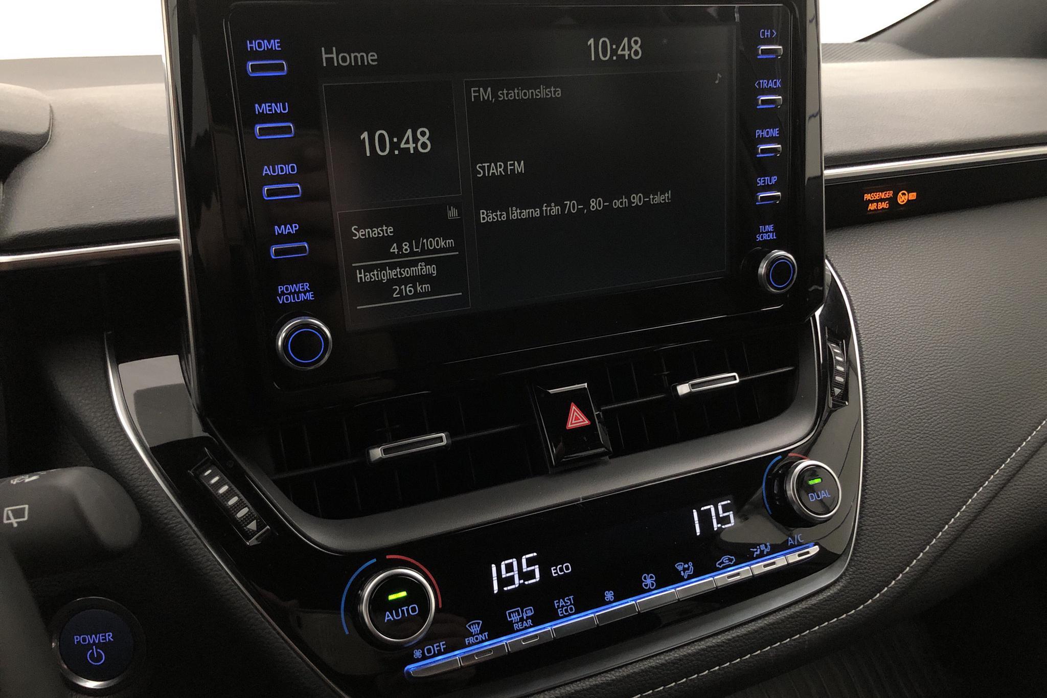 Toyota Corolla 1.8 Hybrid Touring Sports (122hk) - 3 747 mil - Automat - vit - 2020
