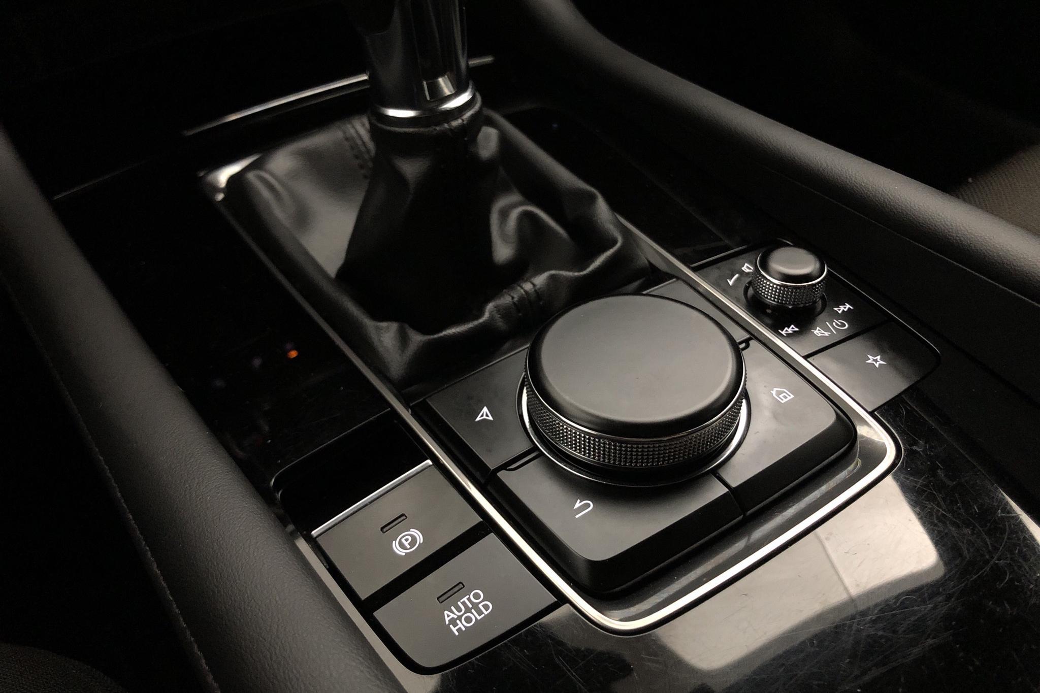 Mazda 3 2.0 5dr (180hk) - 34 300 km - Manual - white - 2020