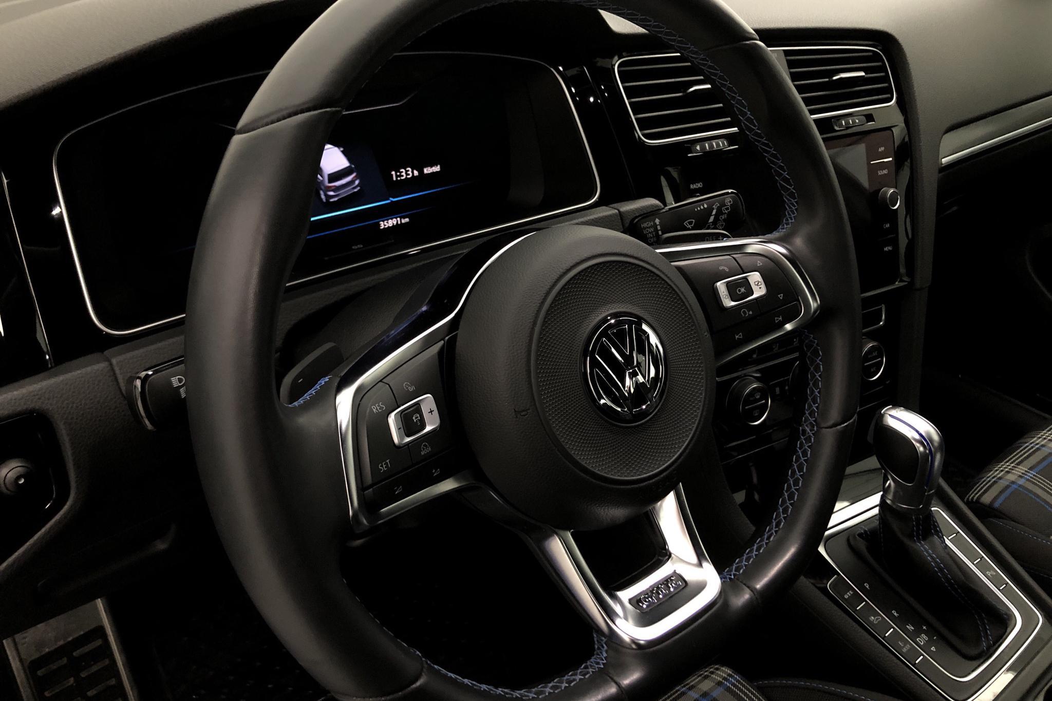VW Golf VII GTE 5dr (204hk) - 3 588 mil - Automat - Dark Grey - 2018