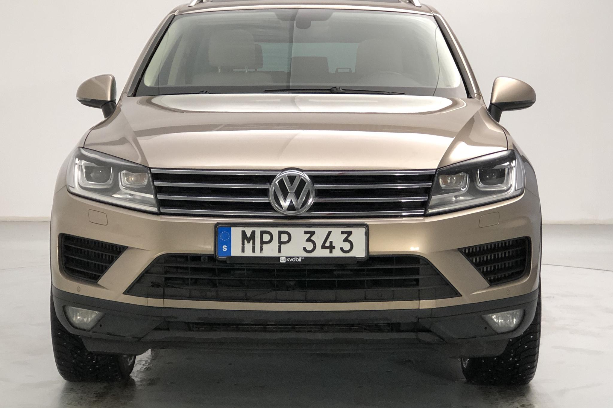 VW Touareg 3.0 TDI BlueMotion Technology (262hk) - 9 776 mil - Automat - Light Brown - 2015