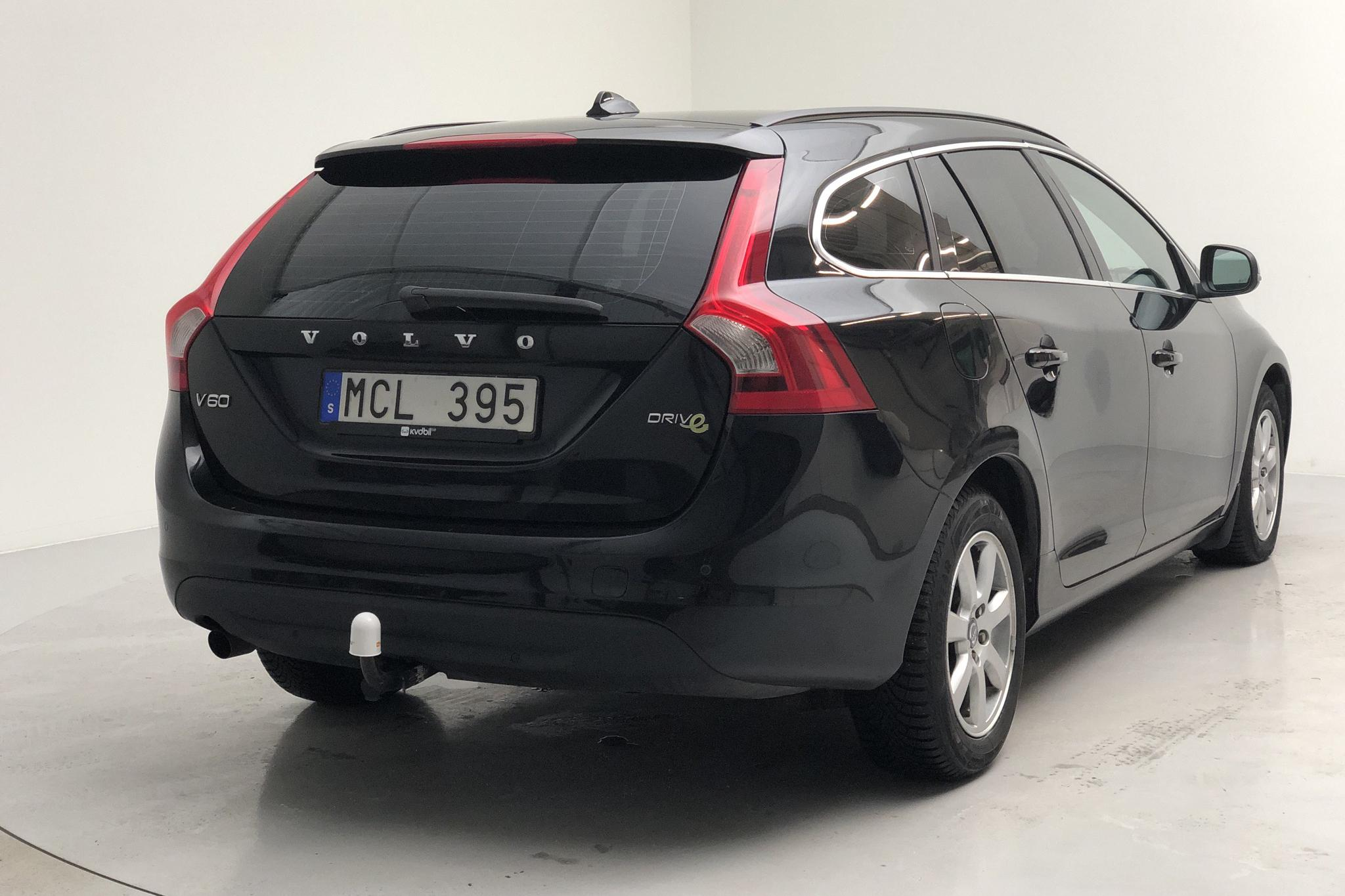 Volvo V60 1.6D DRIVe (115hk) - 225 240 km - Manual - black - 2012
