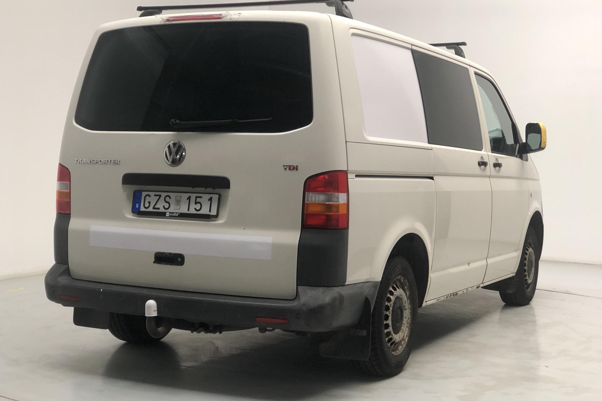 VW Transporter T5 2.5 TDI (130hk) - 15 087 mil - Automat - vit - 2008