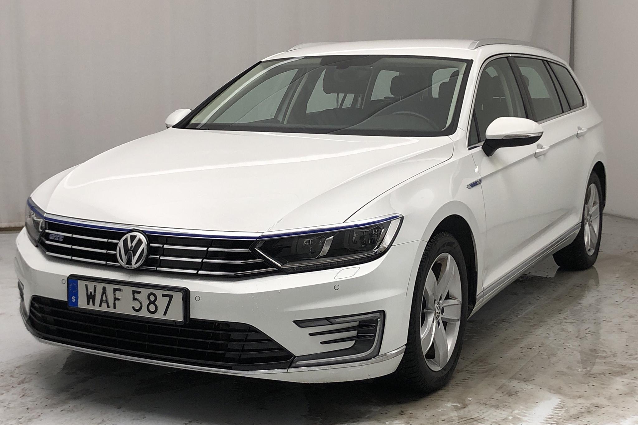 VW Passat 1.4 Plug-in-Hybrid Sportscombi (218hk) - 95 660 km - Automatic - white - 2016