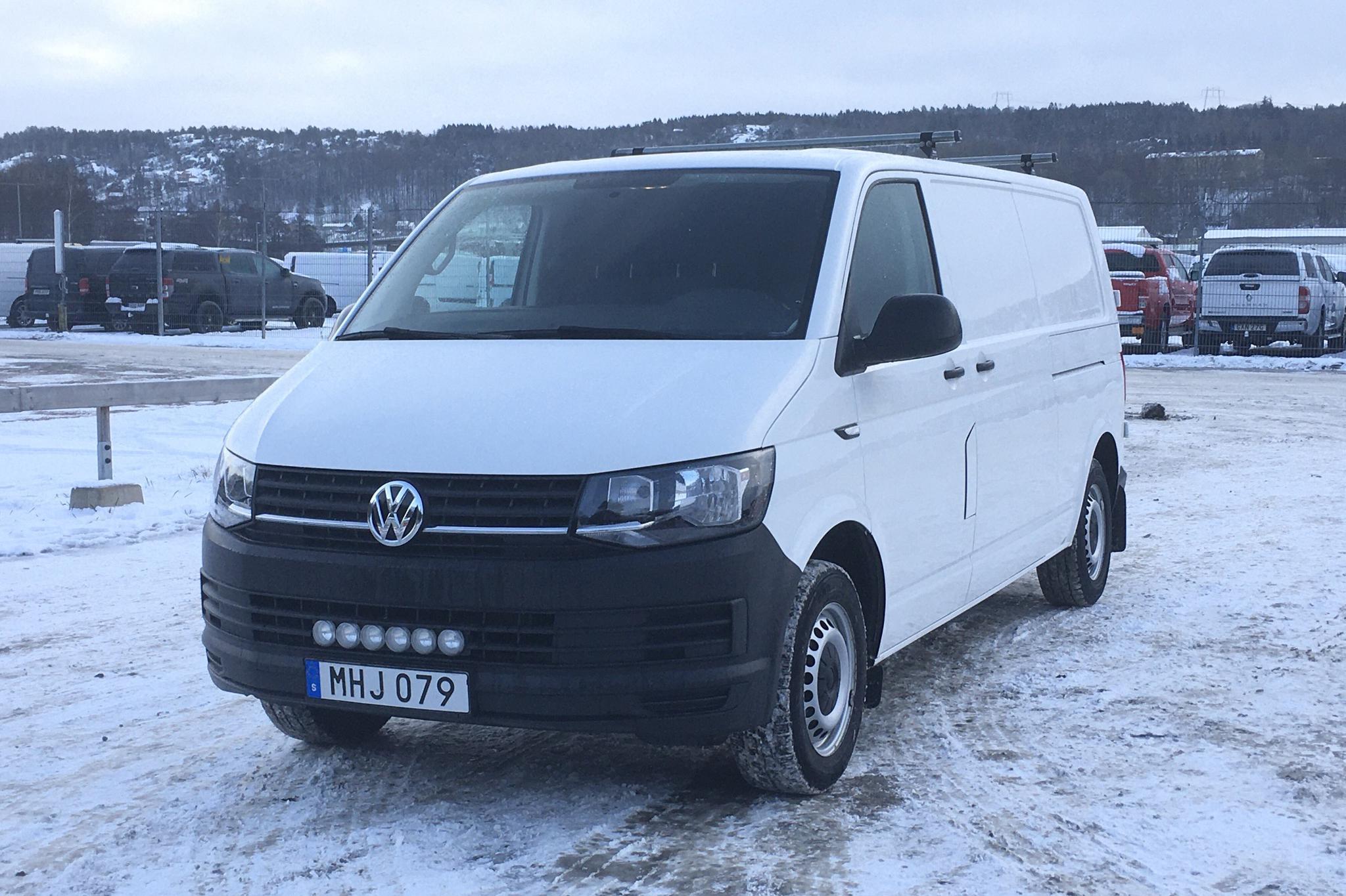VW Transporter T6 2.0 TDI BMT Skåp (150hk) - 9 402 mil - Manuell - vit - 2016