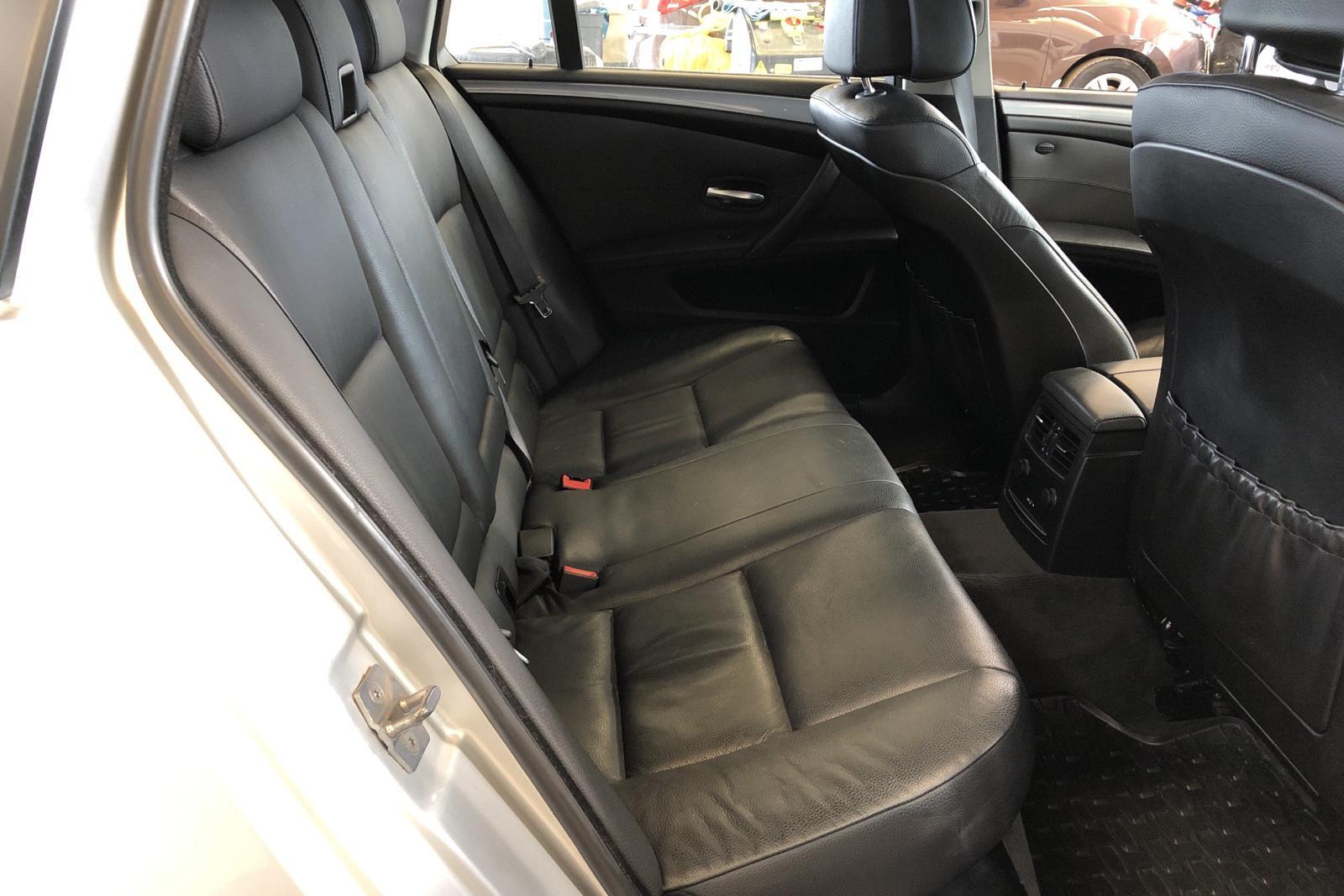 BMW 520d Touring, E61 (177hk) - 197 440 km - Automatic - Light Grey - 2010