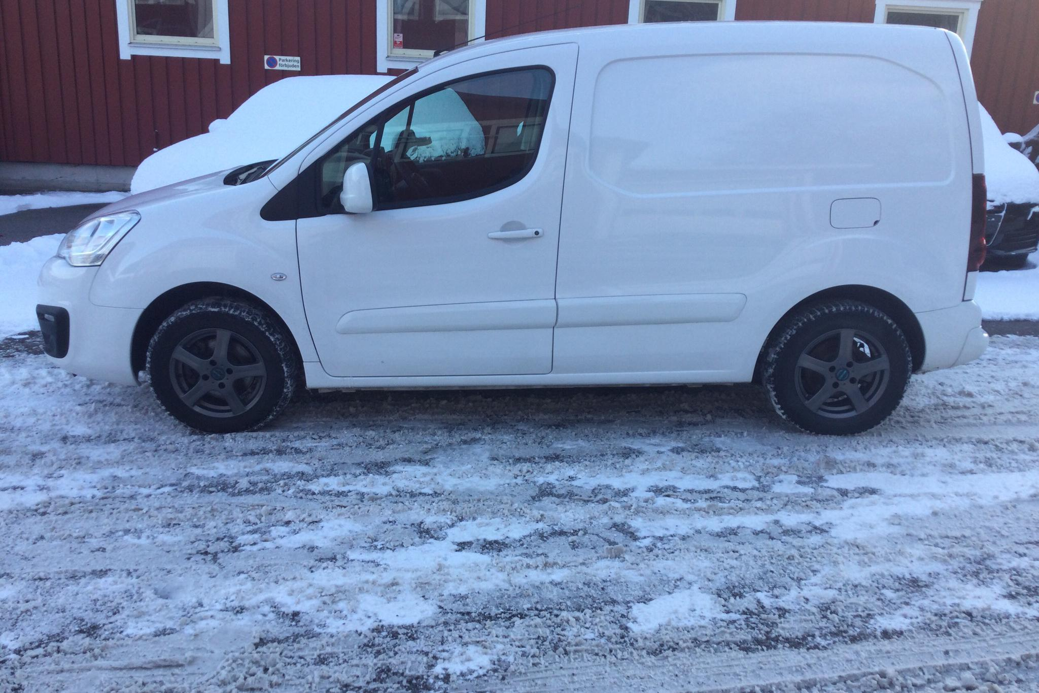 Citroen Berlingo 1.6 BlueHDi Skåp (100hk) - 2 831 mil - Manuell - vit - 2019
