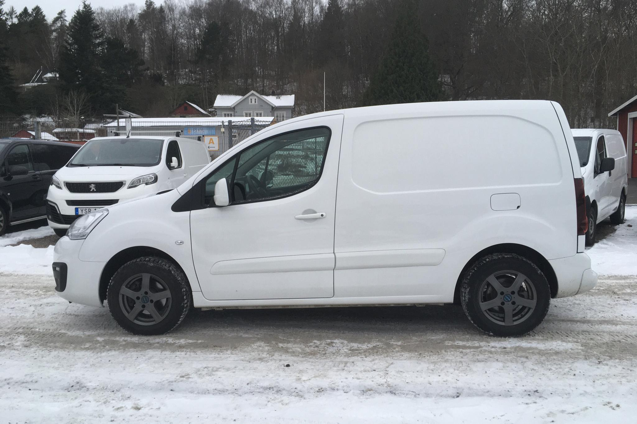 Citroen Berlingo 1.6 BlueHDi Skåp (100hk) - 28 310 km - Manual - white - 2019