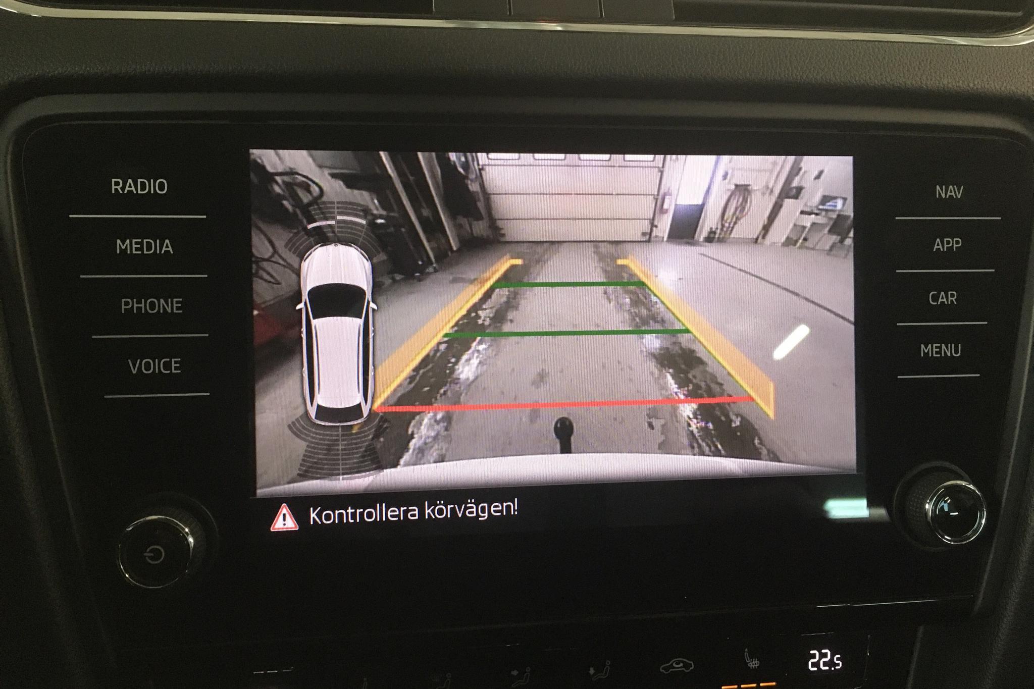 Skoda Octavia III 1.6 TDI Combi (115hk) - 13 413 mil - Automat - vit - 2018