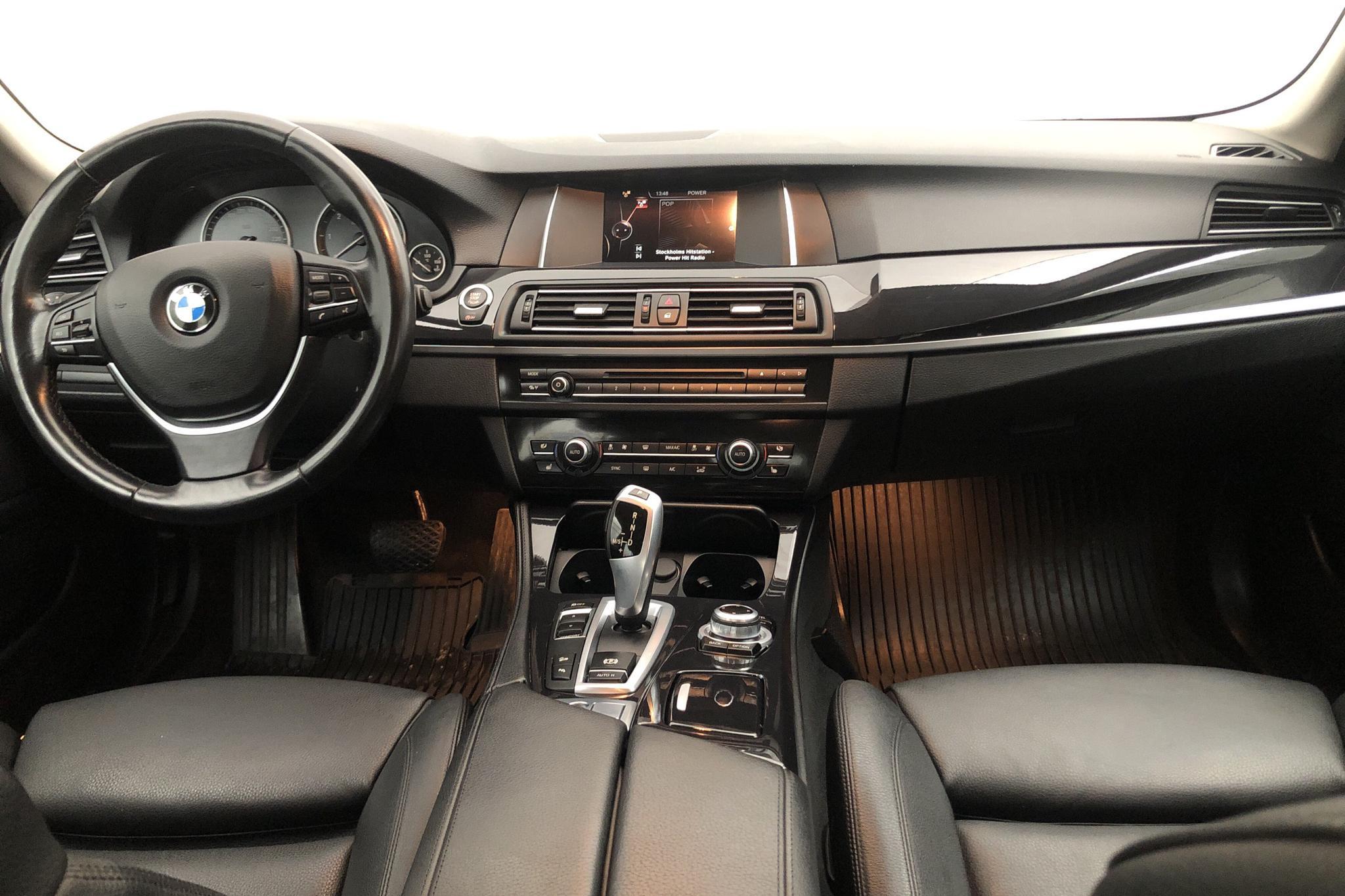 BMW 520d xDrive Sedan, F10 (190hk) - 4 836 mil - Automat - grå - 2016