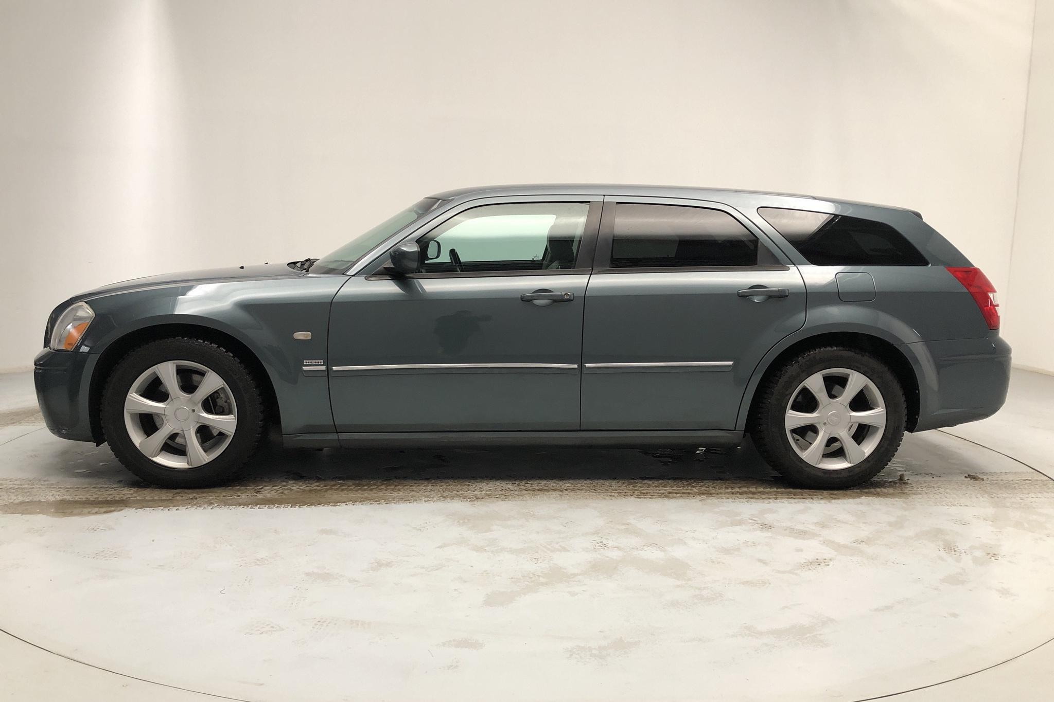 Dodge Magnum 5.7 Hemi V8 (345hk) - 19 185 mil - Automat - Dark Green - 2005