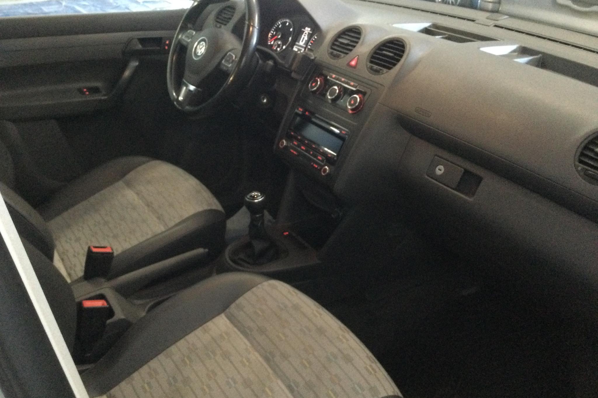 VW Caddy 2.0 TDI Maxi Skåp 4-motion (110hk) - 72 800 km - Manual - white - 2012