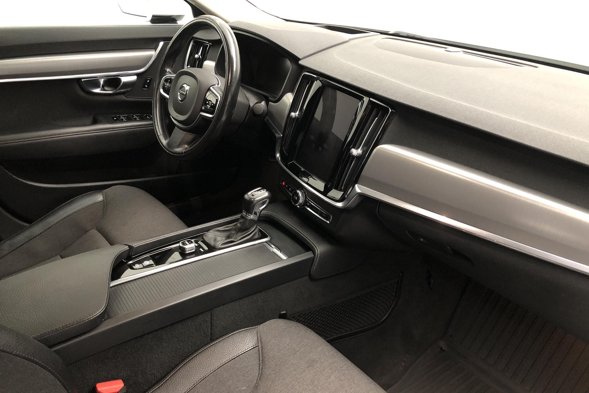 Volvo S90 D5 AWD (235hk) - 90 670 km - Automatic - white - 2017