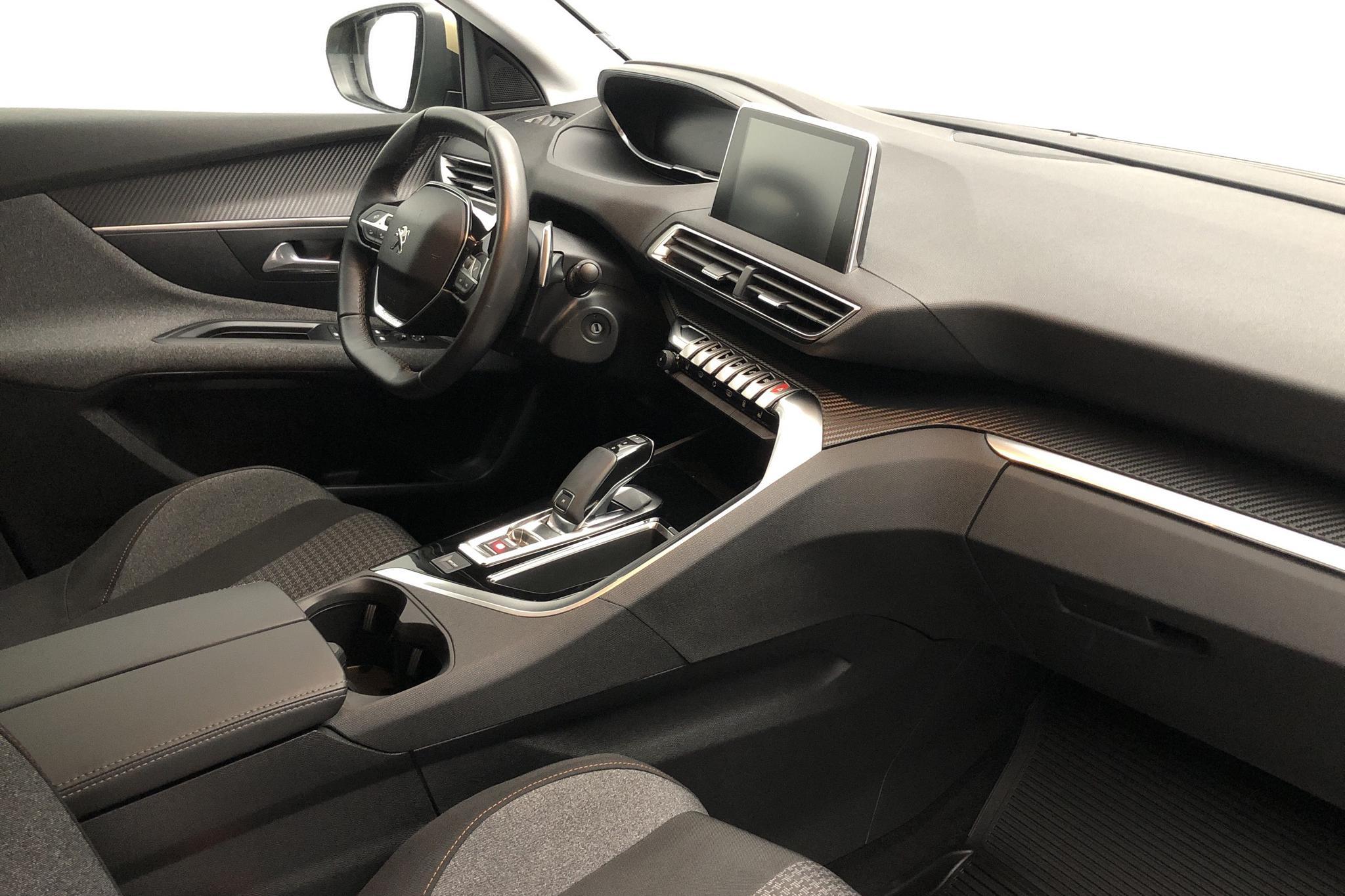 Peugeot 3008 1.2 PureTech (130hk) - 3 141 mil - Automat - 2018