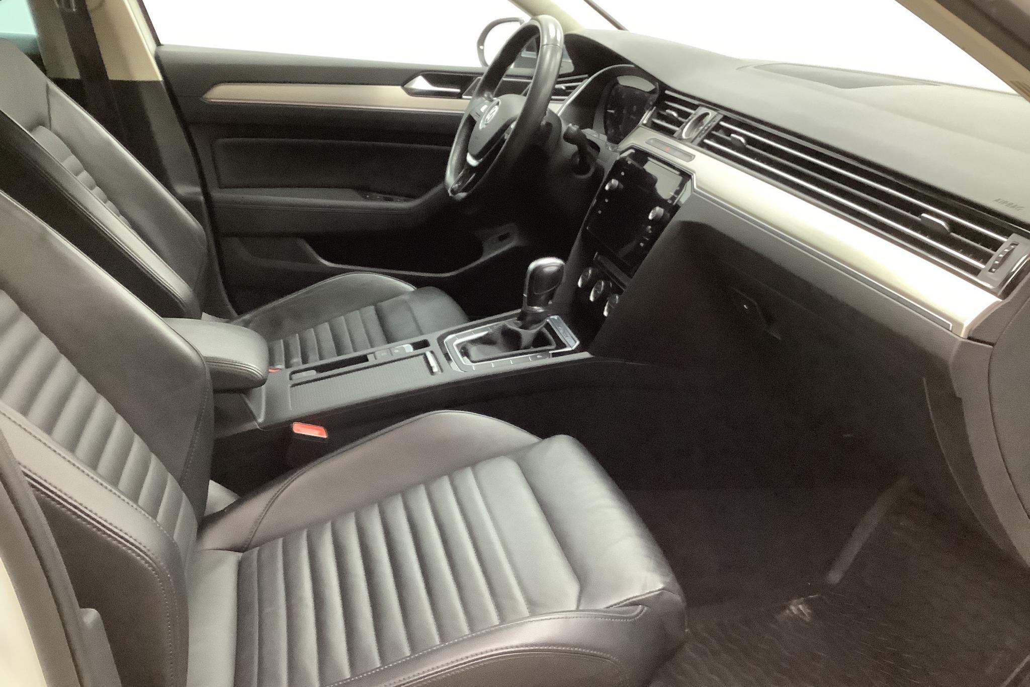 VW Passat Alltrack 2.0 TDI Sportscombi 4MOTION (190hk) - 138 330 km - Automatic - white - 2018