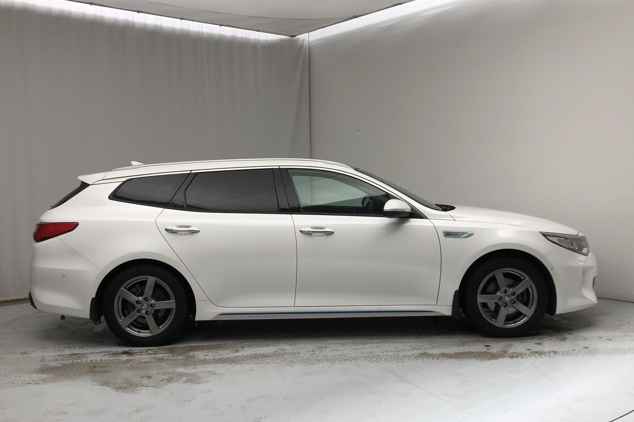 KIA Optima 2.0 GDi Plug-in Hybrid SW (205hk) - 81 110 km - Automatic - white - 2018