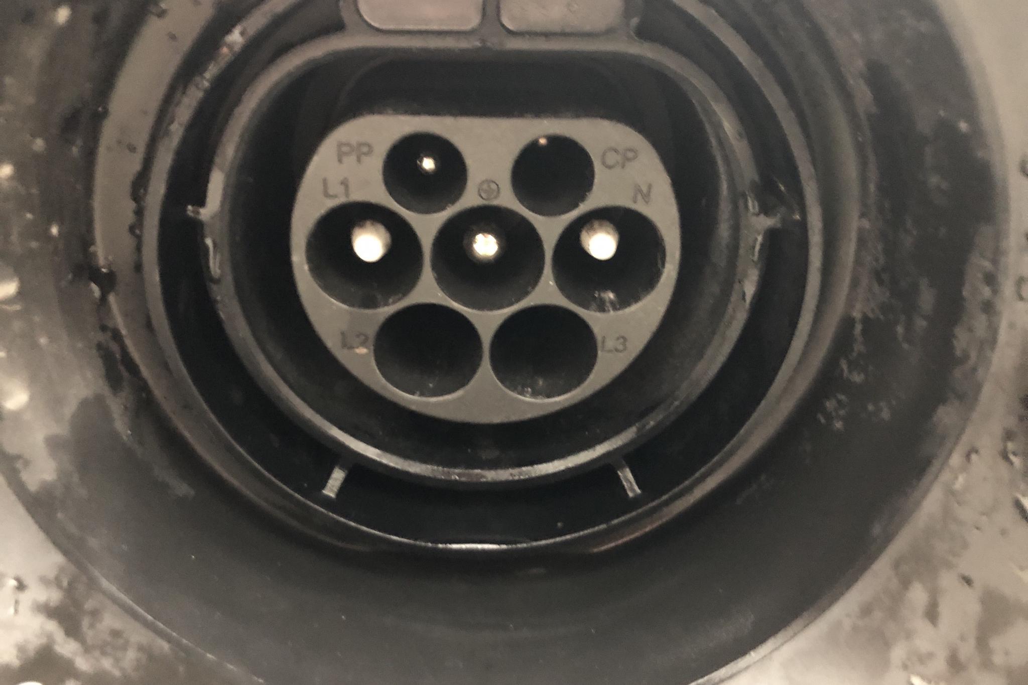 Volvo V60 D5 AWD Twin Engine (163hk) - 4 414 mil - Automat - svart - 2018