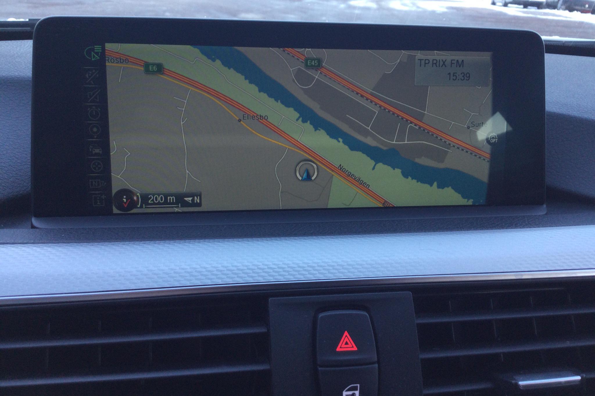 BMW 330e Sedan, F30 (252hk) - 8 642 mil - Automat - vit - 2016