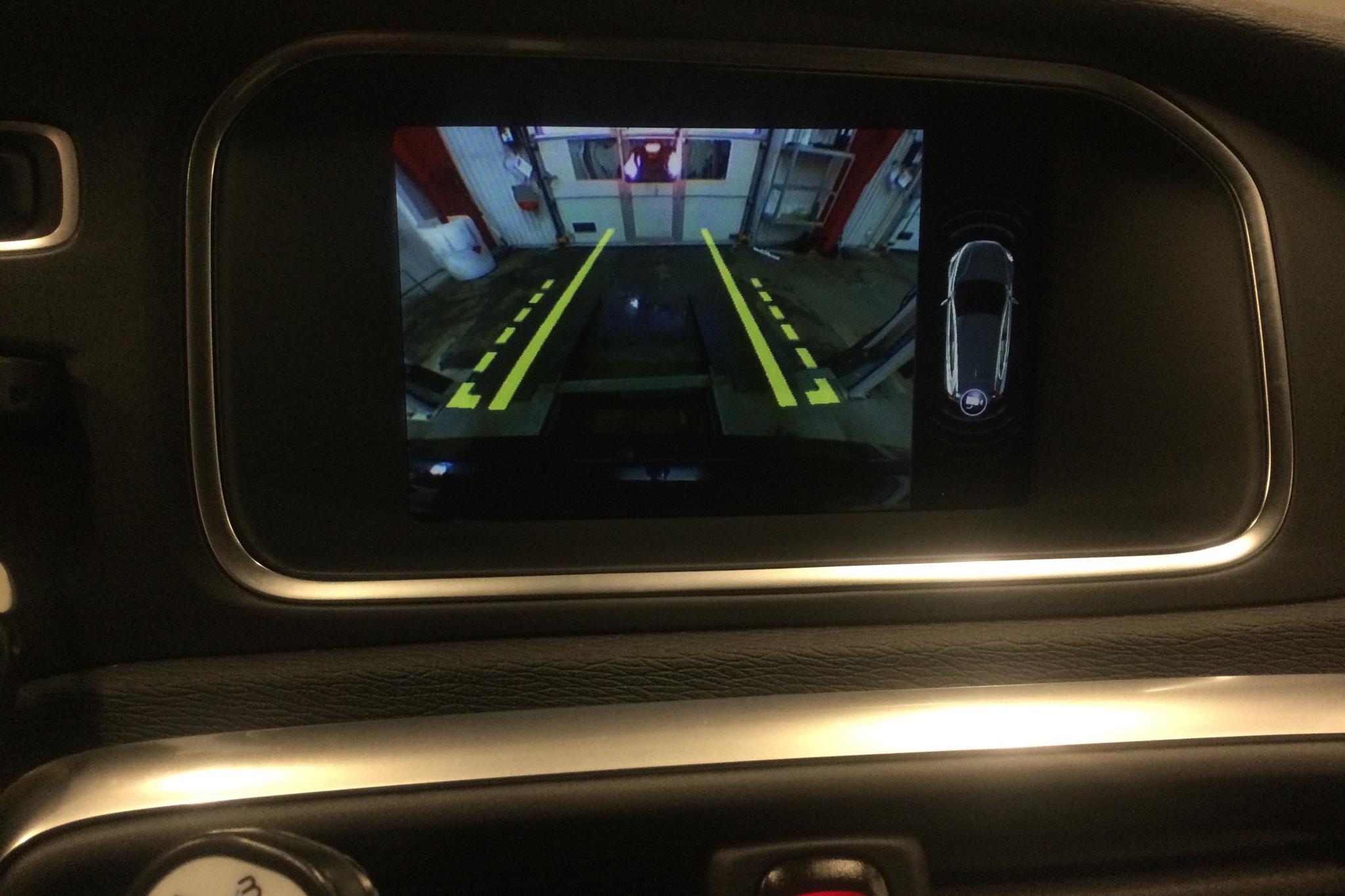 Volvo V40 D3 (150hk) - 6 085 mil - Automat - svart - 2017