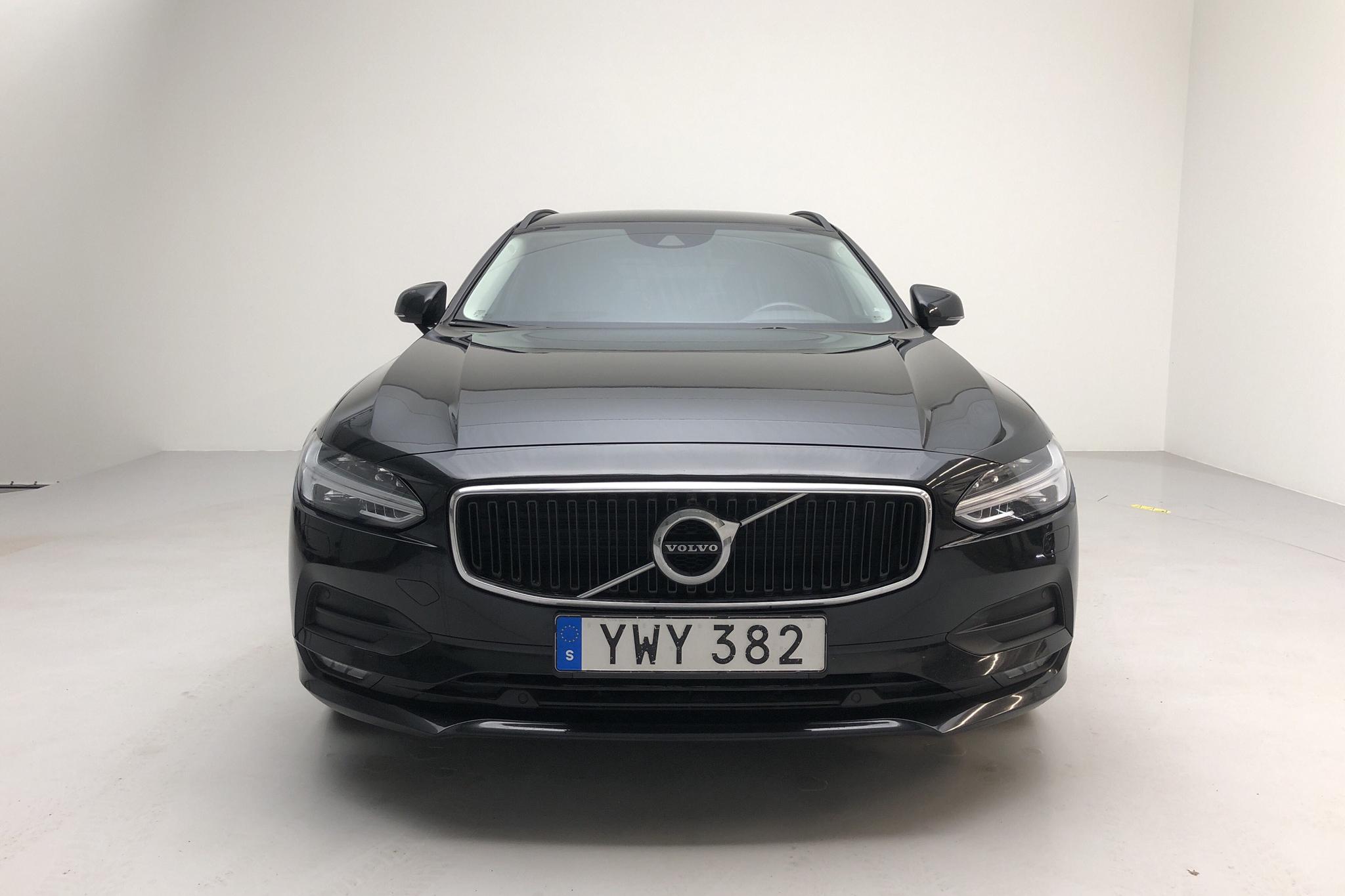 Volvo V90 D3 (150hk) - 8 355 mil - Automat - svart - 2018