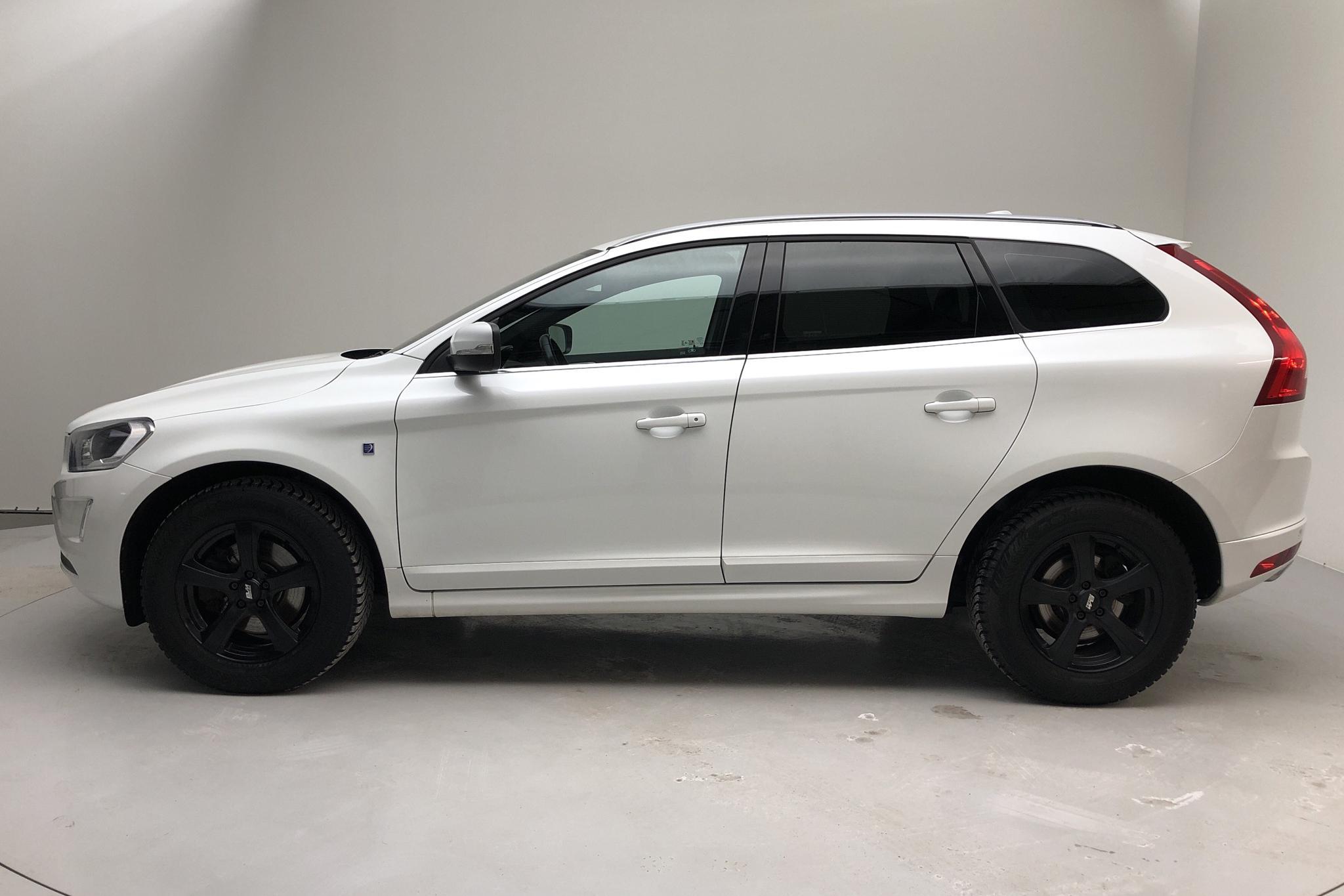 Volvo XC60 D4 AWD (190hk) - 12 997 mil - Automat - vit - 2016