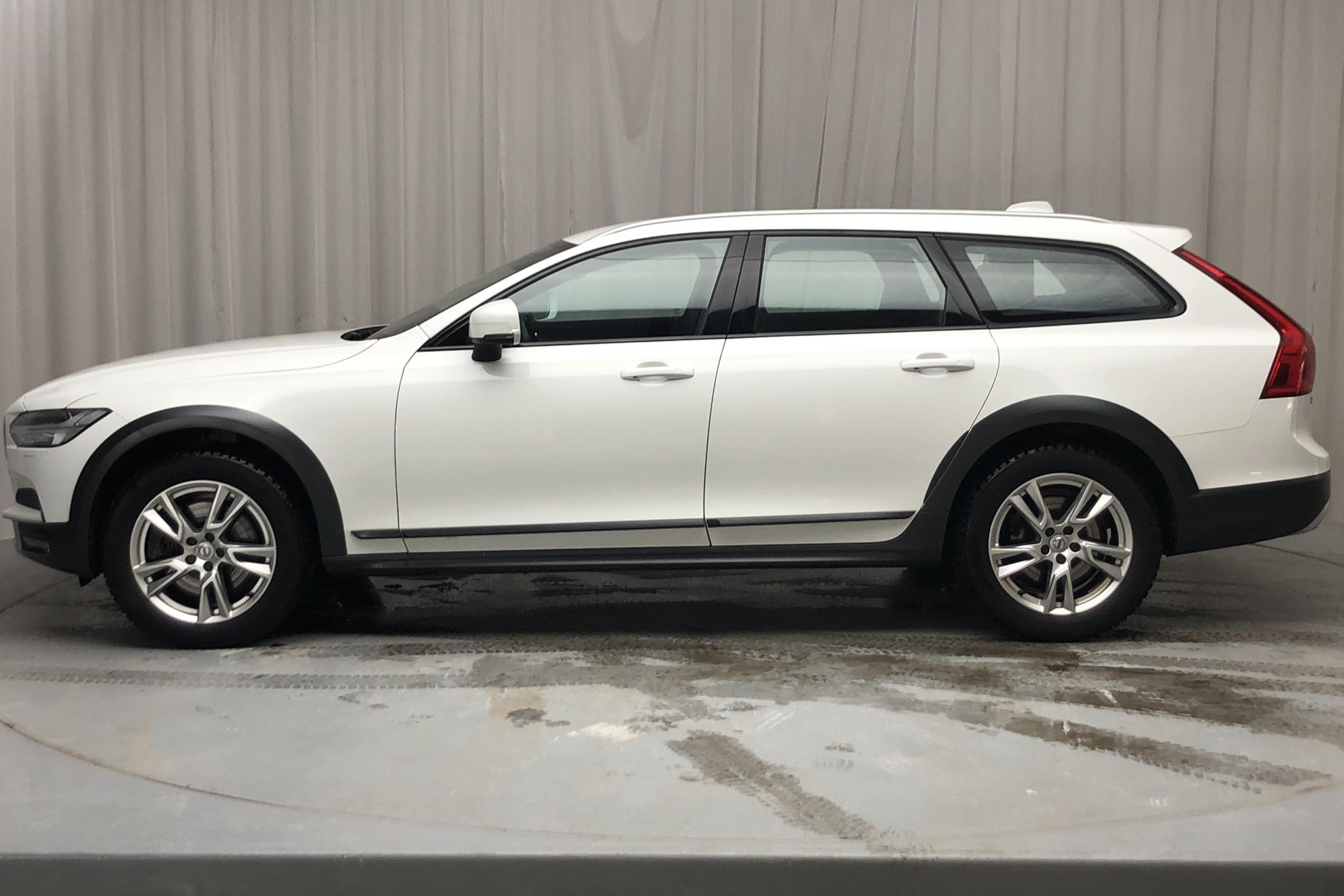 Volvo V90 D4 Cross Country AWD (190hk) - 105 160 km - Automatic - white - 2018