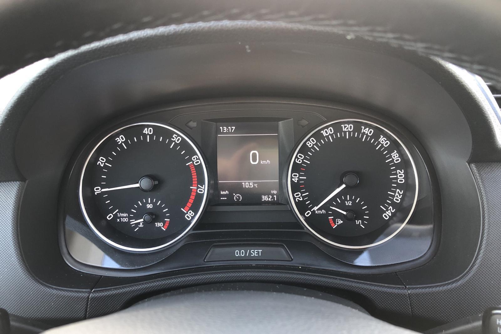 Skoda Fabia 1.0 TSI Kombi (95hk) - 30 810 km - Manual - red - 2018