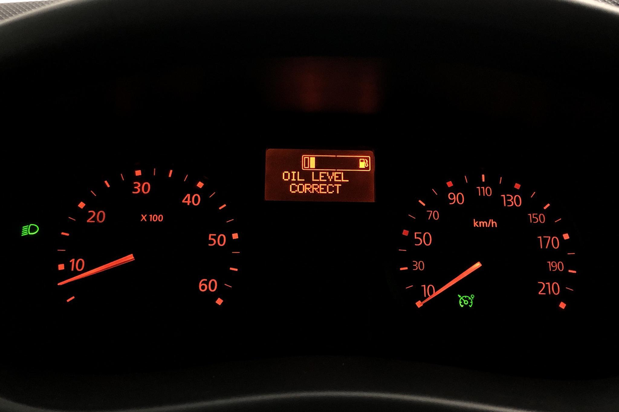 Nissan Primastar 2.0 dCi (114hk) - 9 116 mil - Manuell - vit - 2013